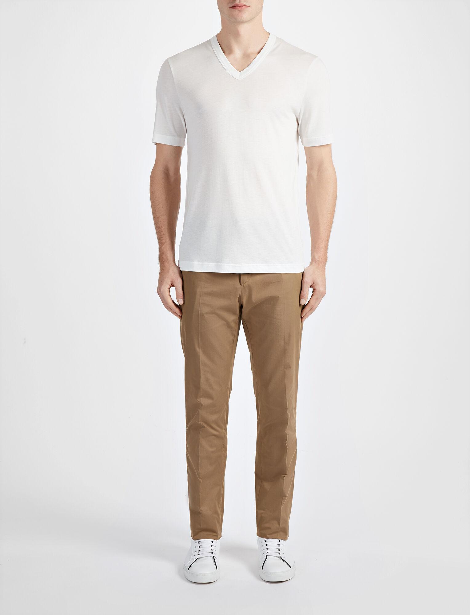 Joseph, Tee shirt col V en jersey de lyocell, in WHITE