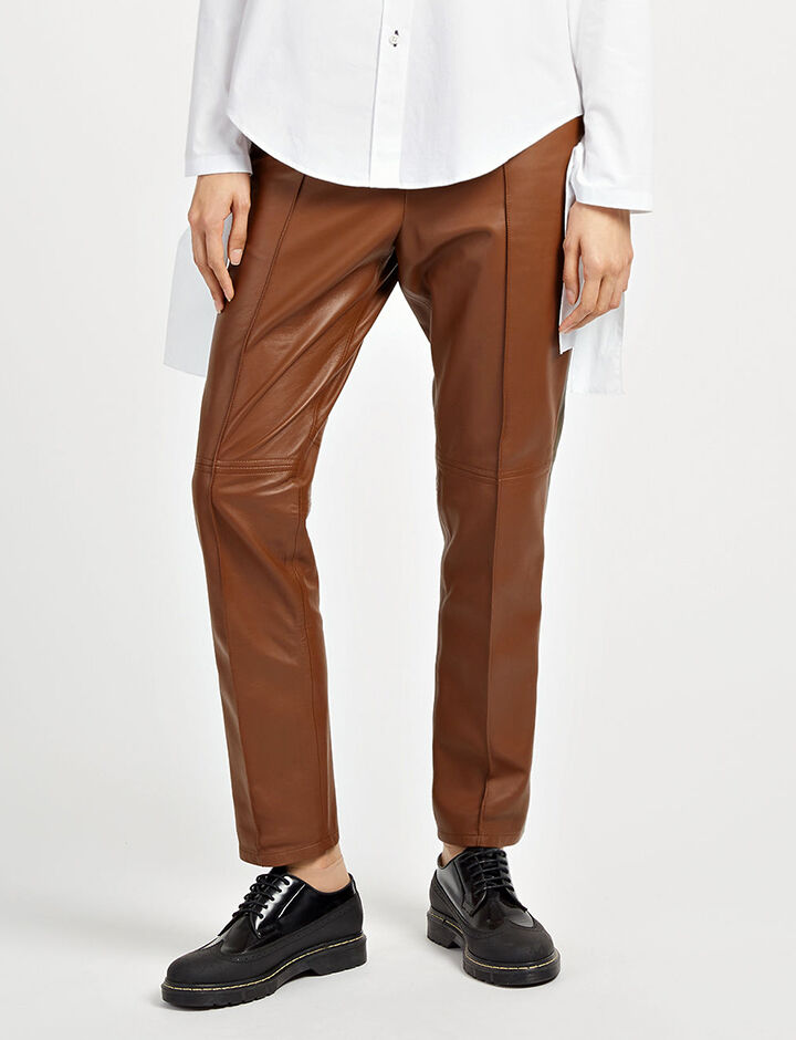 Pantalon Base en cuir nappa mat, in TABAC/MAHOGANY, large | on Joseph