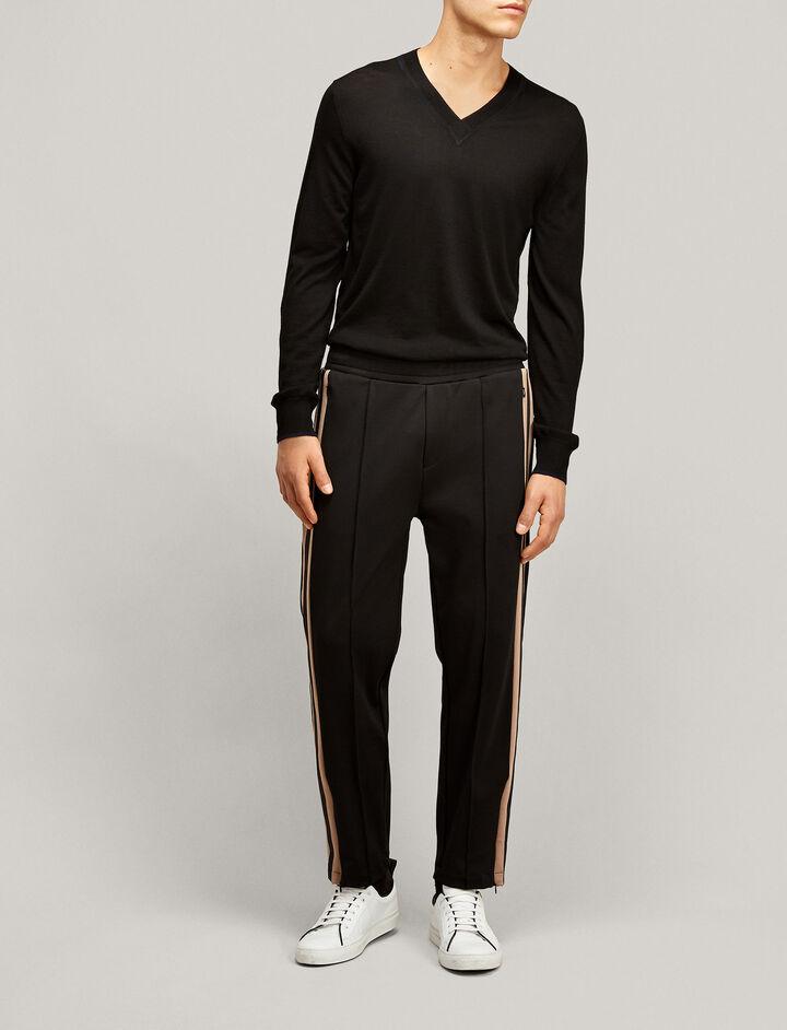 Joseph, V Neck Light Merinos Knit, in BLACK