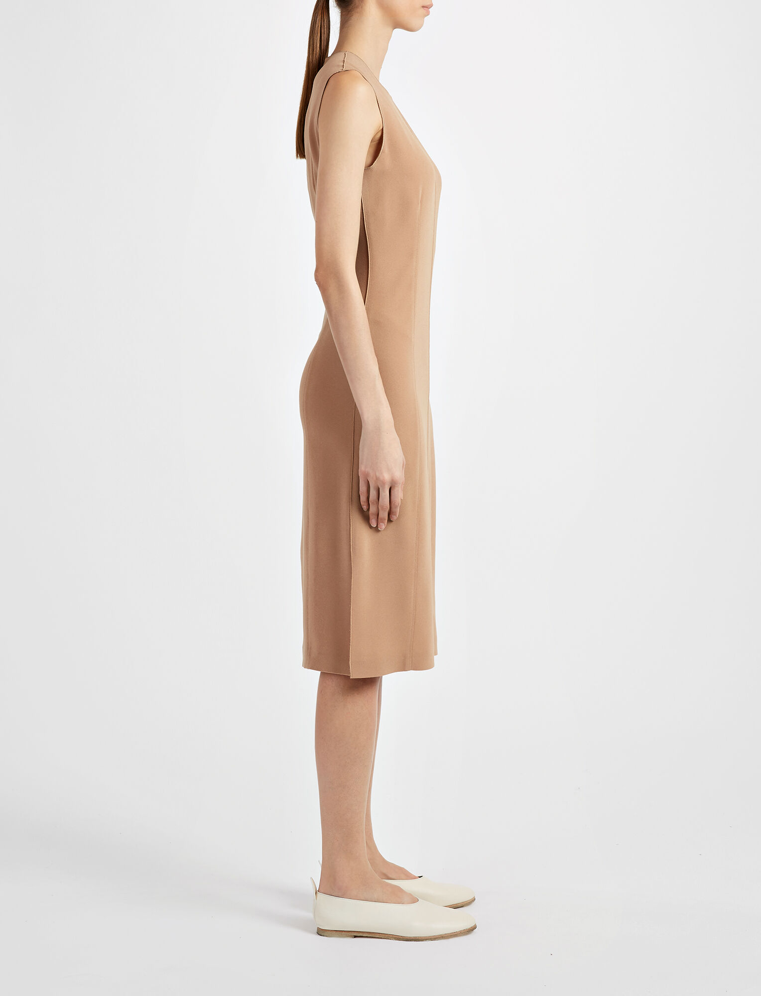 Joseph, Robe Sadie en crêpe stretch, in CAMEL