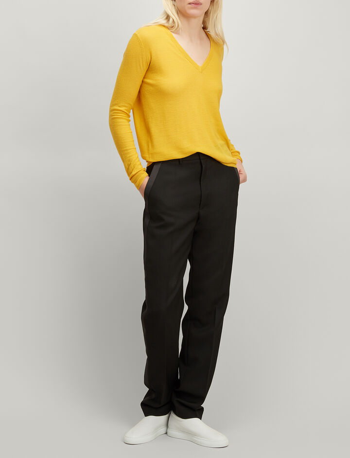 Joseph, Cashair V Neck Sweater, in DANDELION