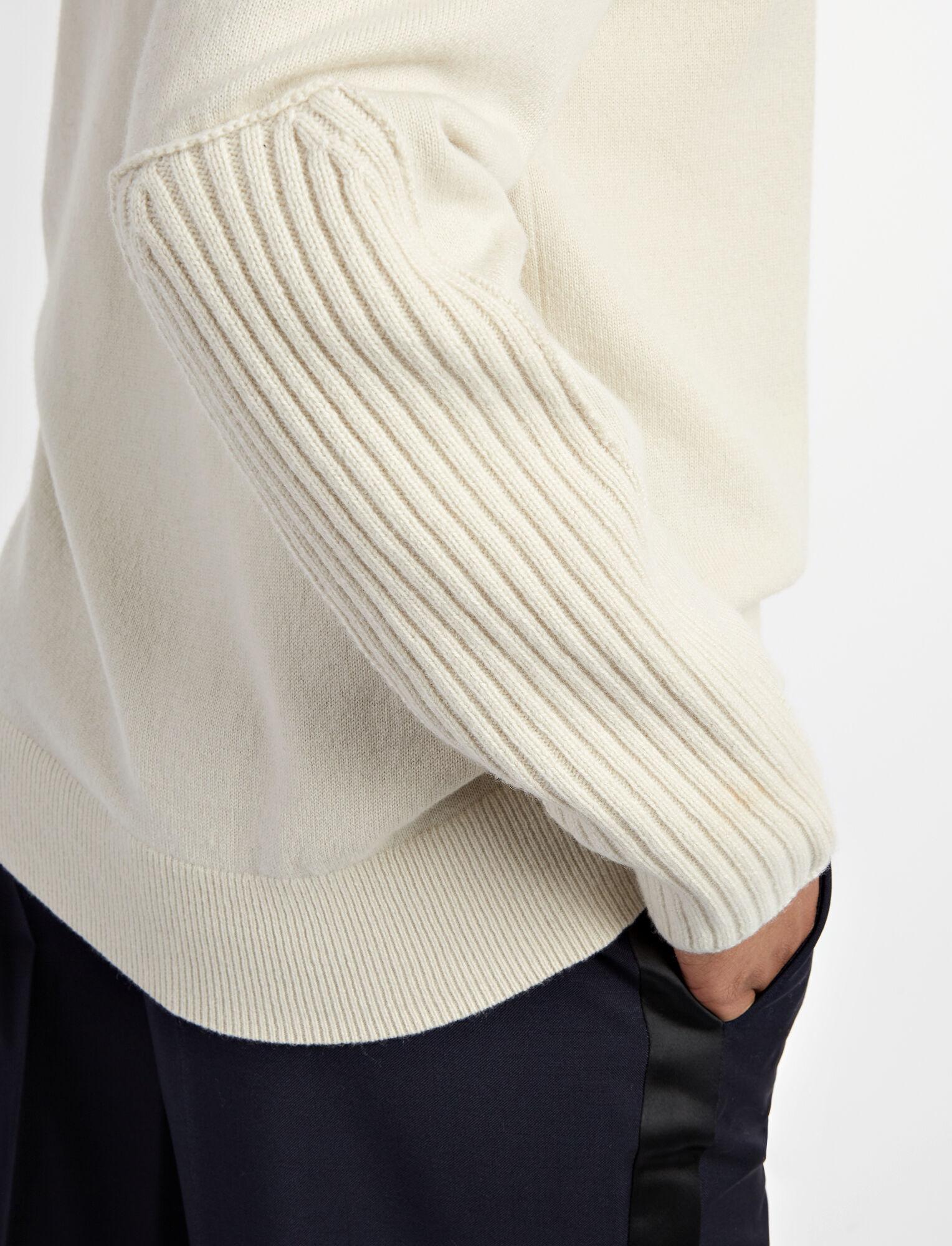 Mongolian Cashmere V Neck Sweater, in ECRU, large   on Joseph