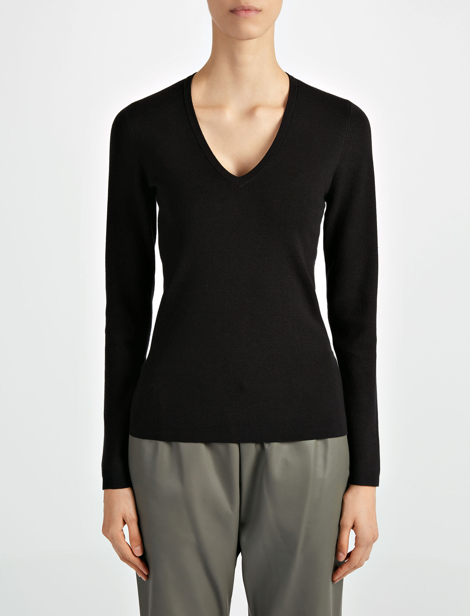 Joseph, Silk Stretch V Neck Top, in BLACK