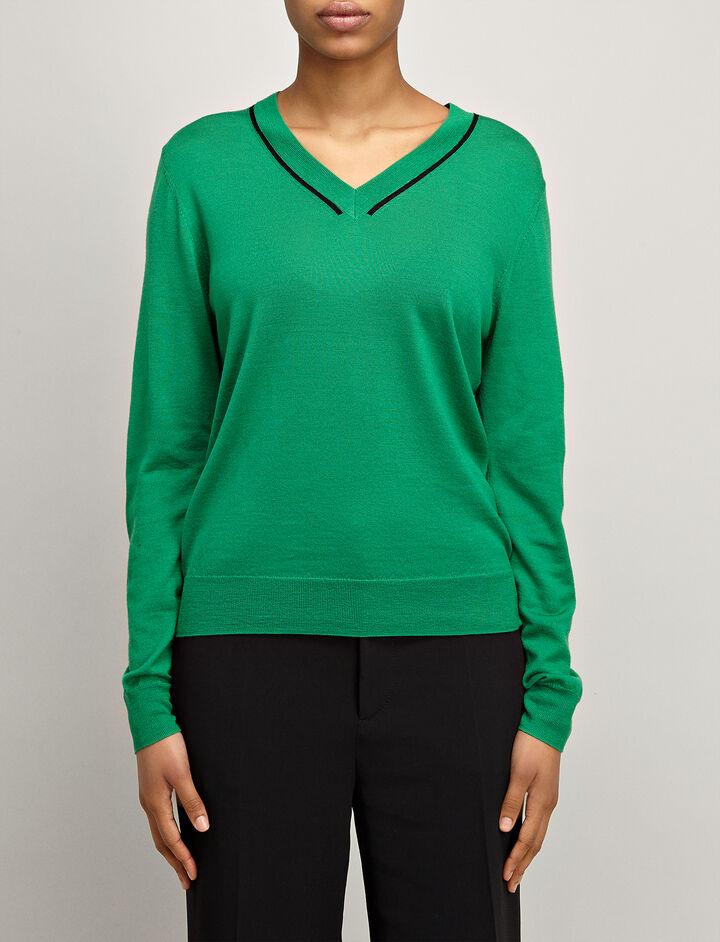 Fine Merinos V Neck Sweater, in EMERALD, large | on Joseph
