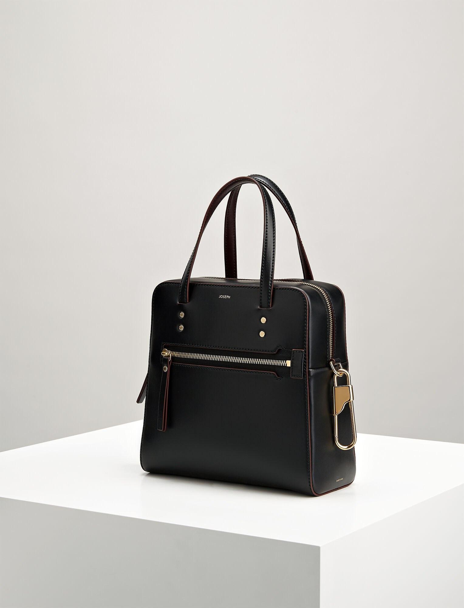 Joseph, Leather Ryder 25 Bag, in BLACK