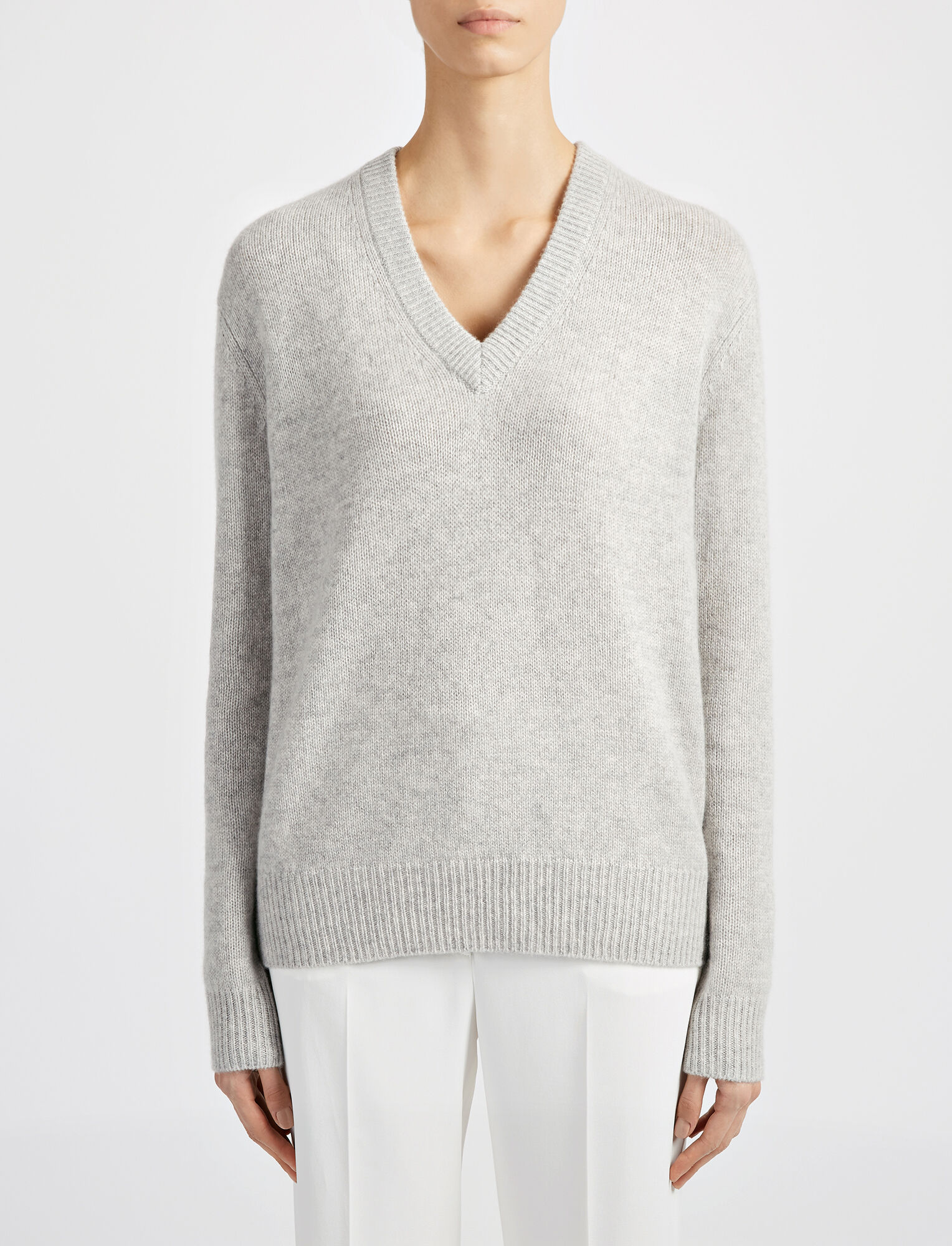 Joseph, Open Cashmere V Neck Top, in GREY CHINE
