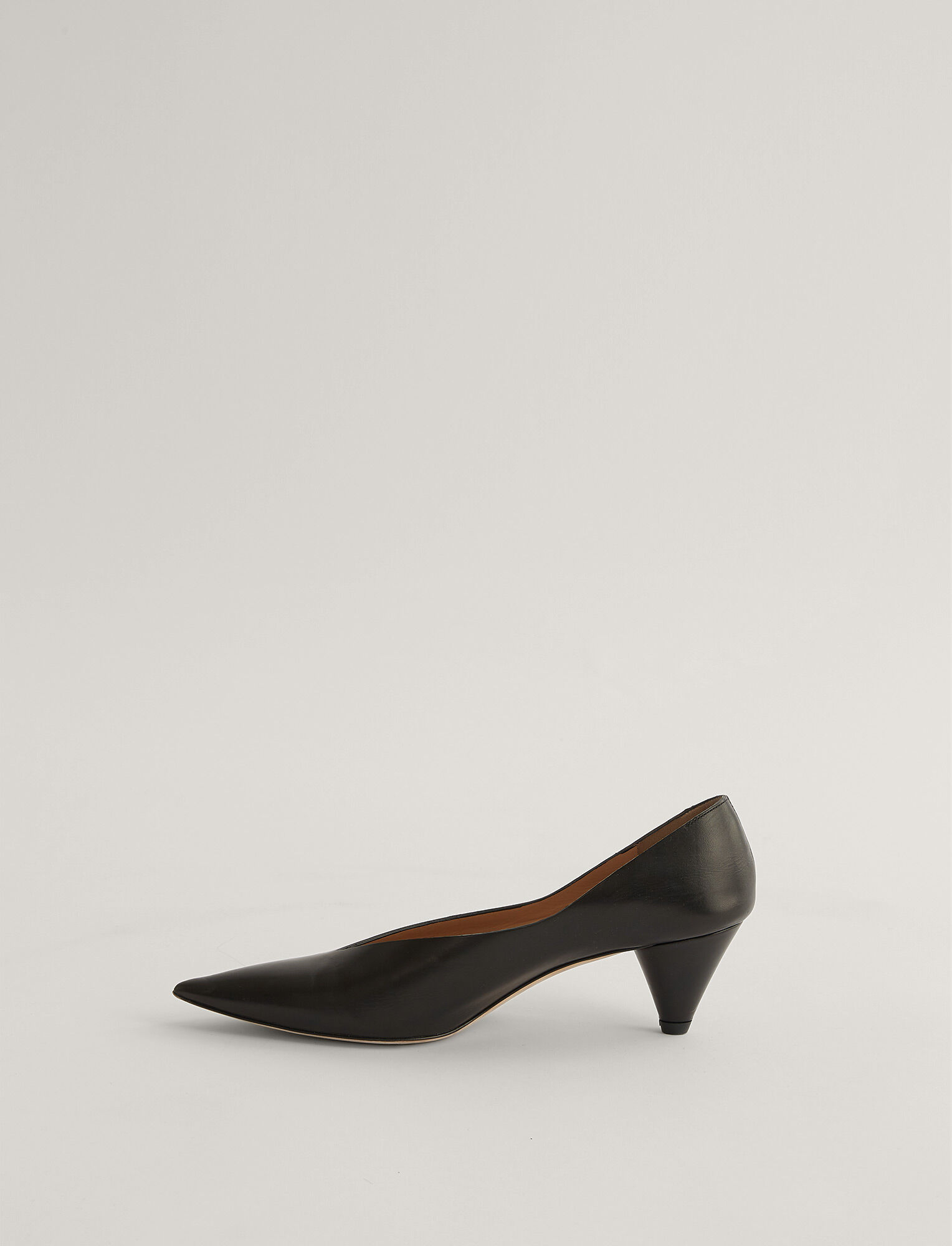 Joseph, Cone Heel Pump, in Black