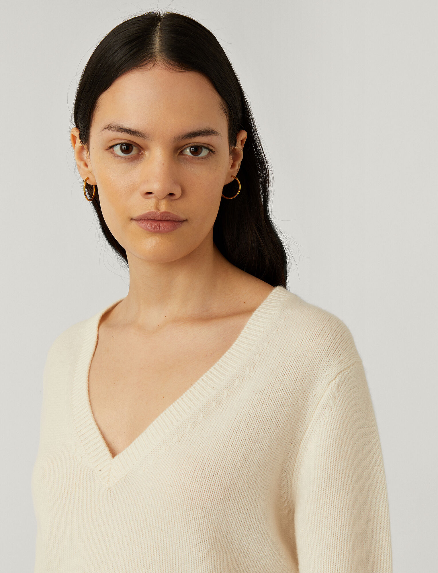 Joseph, Pure Cashmere V Neck Knit, in Ivory