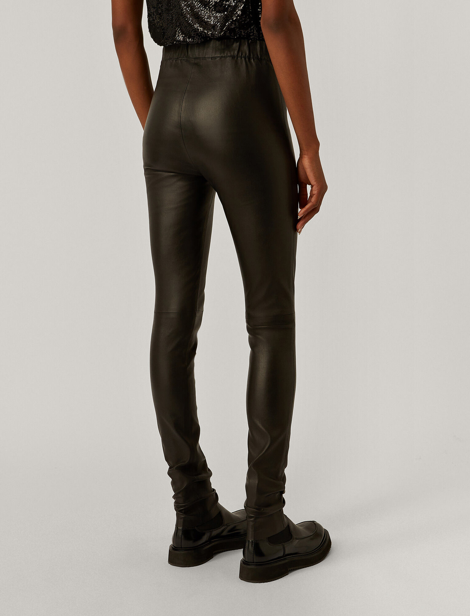 Joseph, Legging en cuir stretch, in BLACK