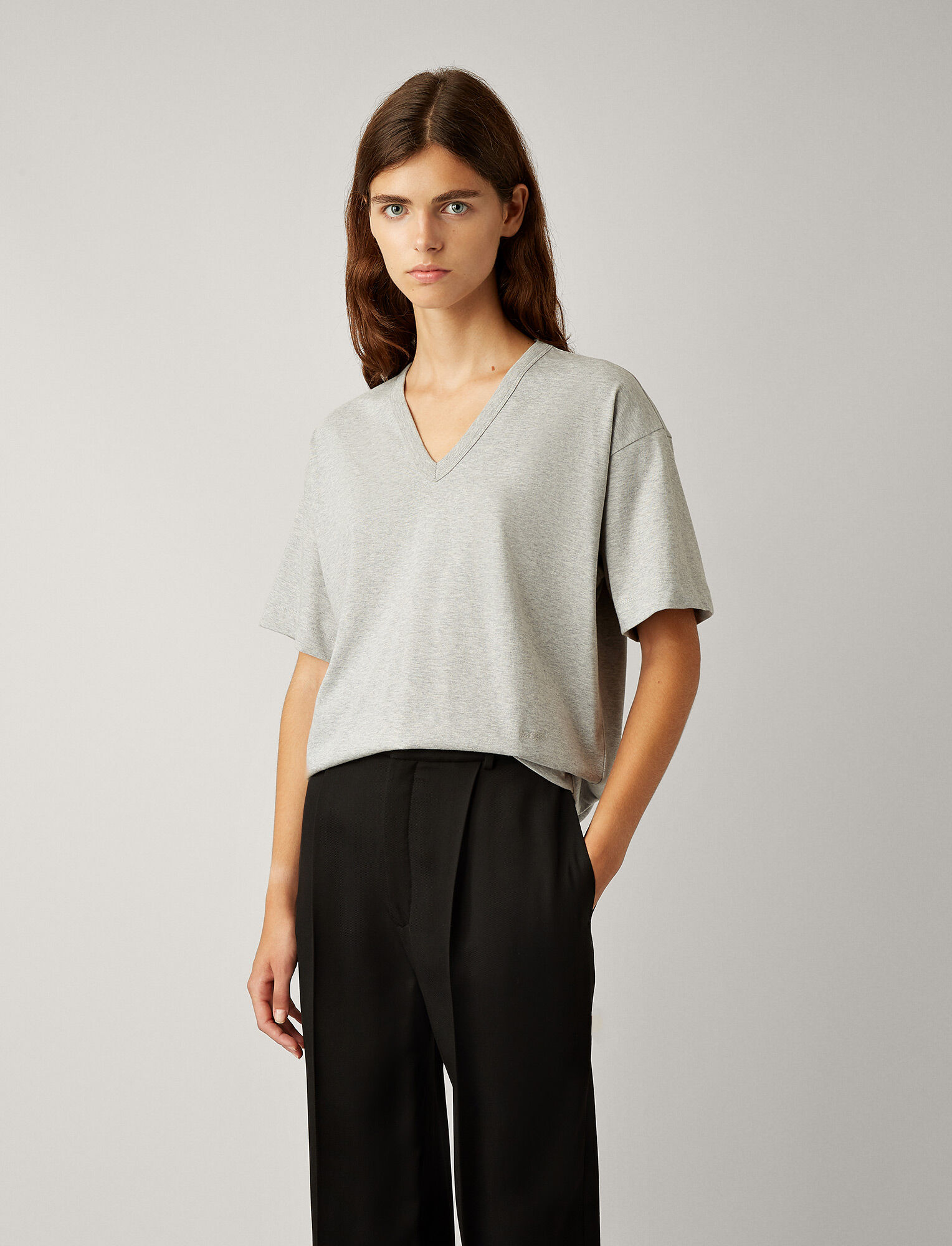 Joseph, V Neck Perfect Jersey Tee, in GREY CHINE