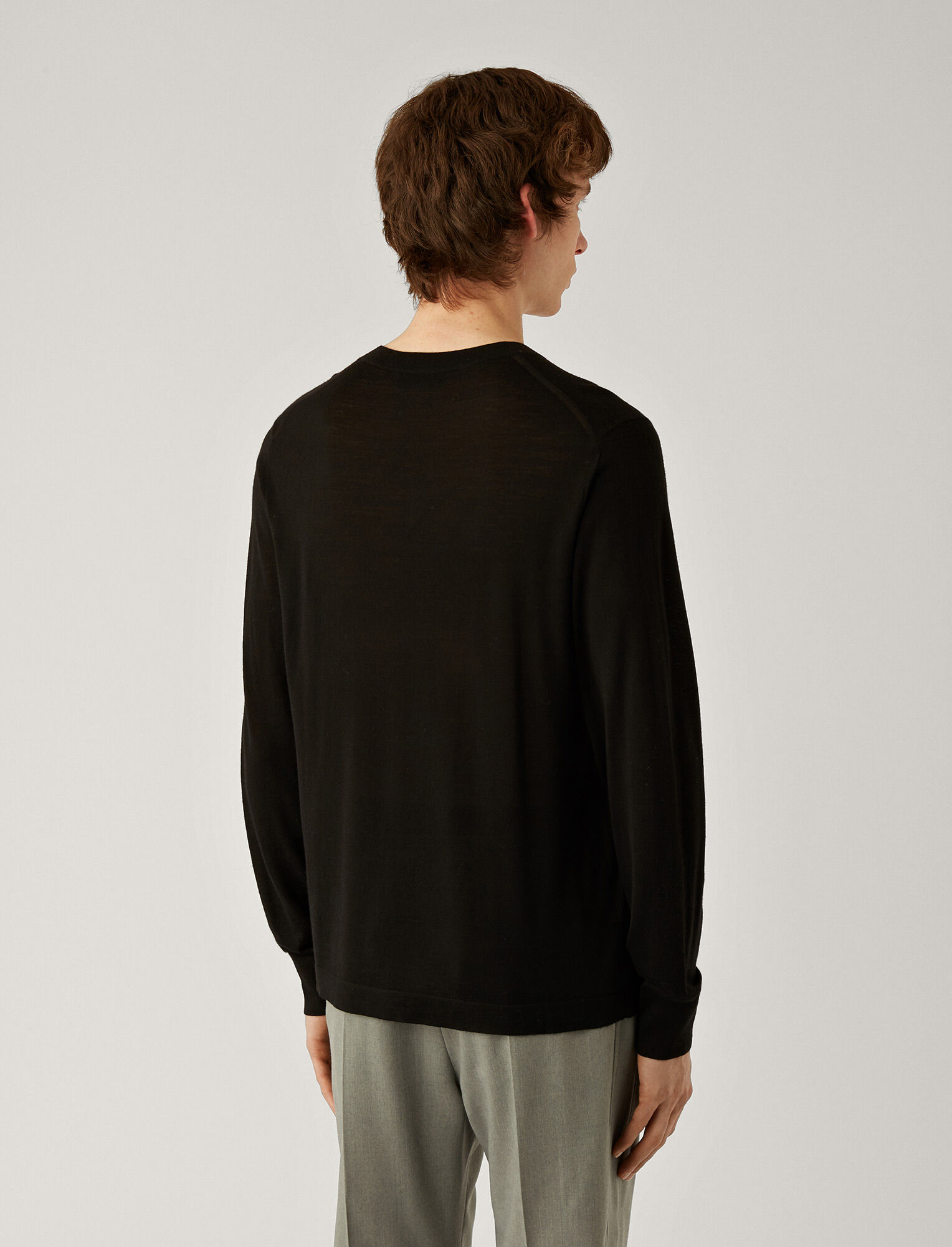 Joseph, V Neck Light Merinos Knit, in BLACK