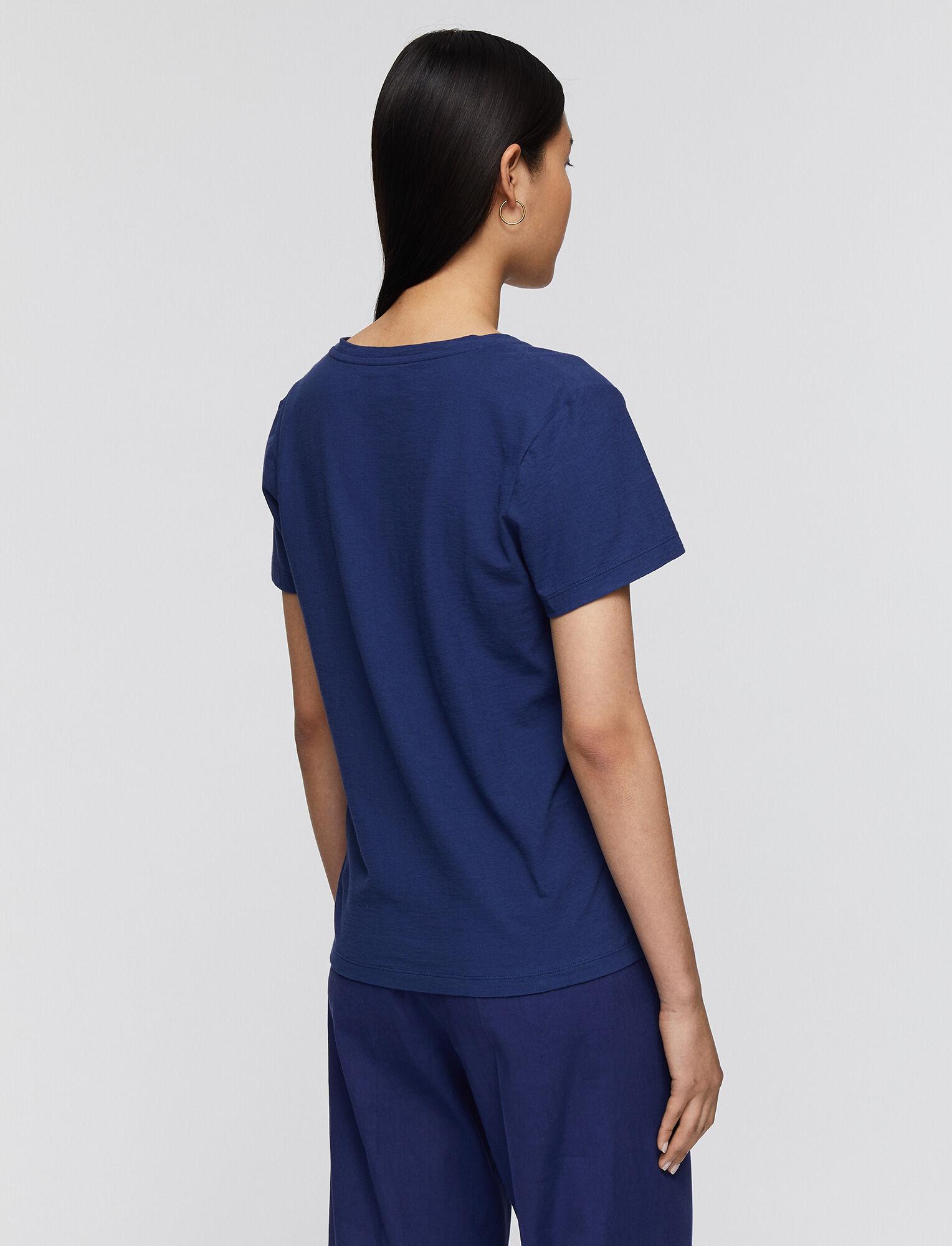 Joseph, Haut en jersey de coton léger à col en V, in COBALT BLUE