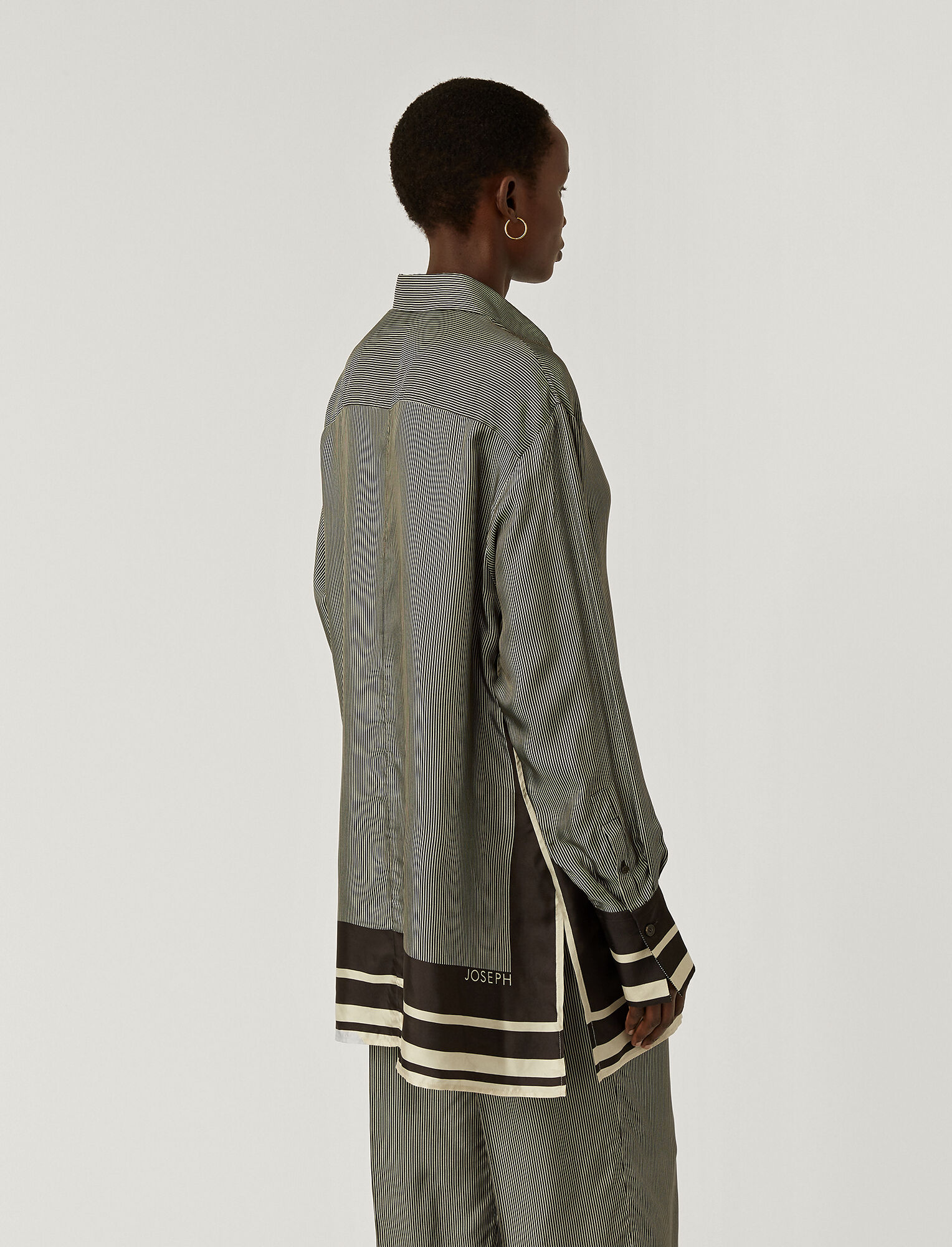 Joseph, Scarf Print Bawson Blouse, in BLACK/PORCELAIN