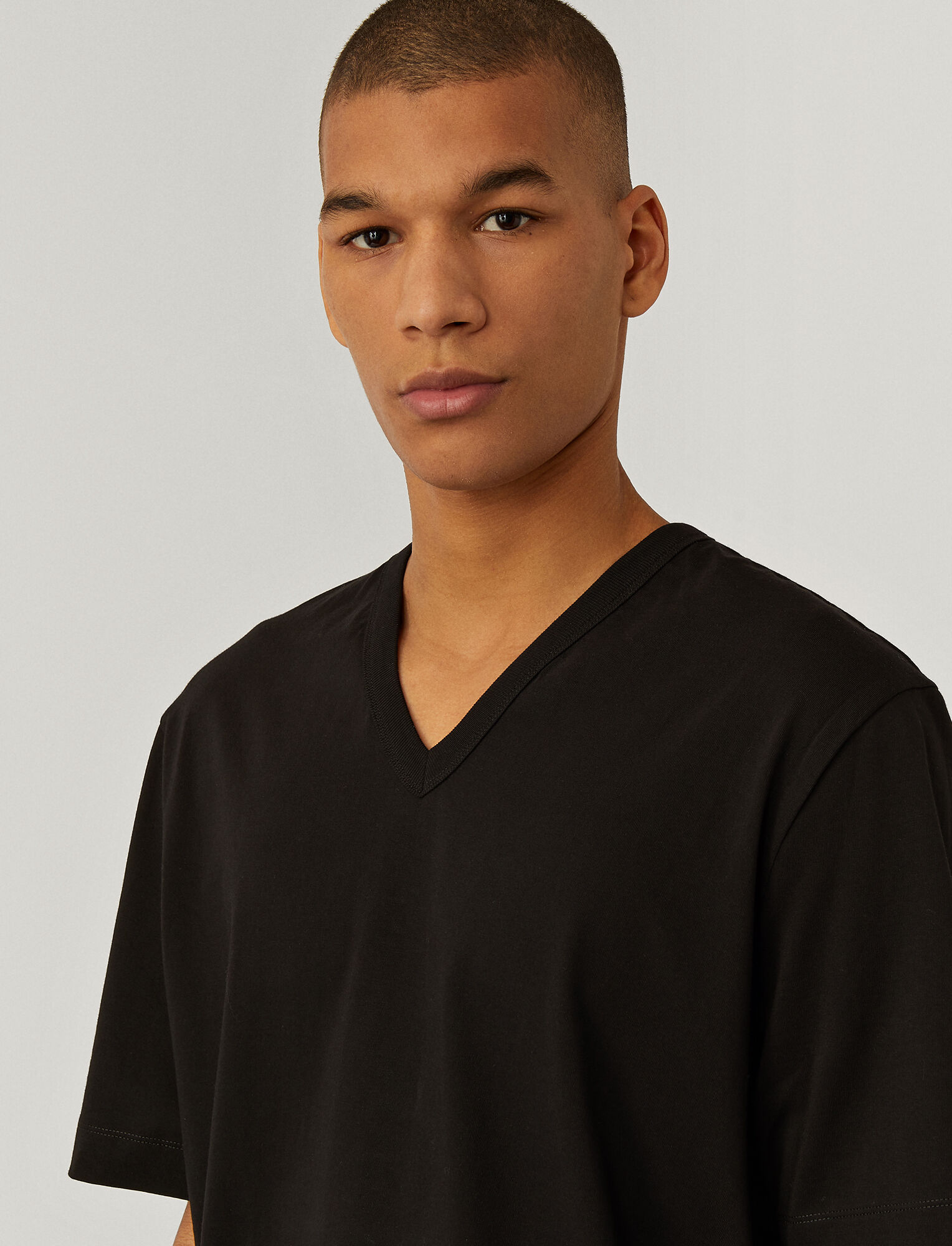 Joseph, V Neck Perfect Jersey Tee, in BLACK