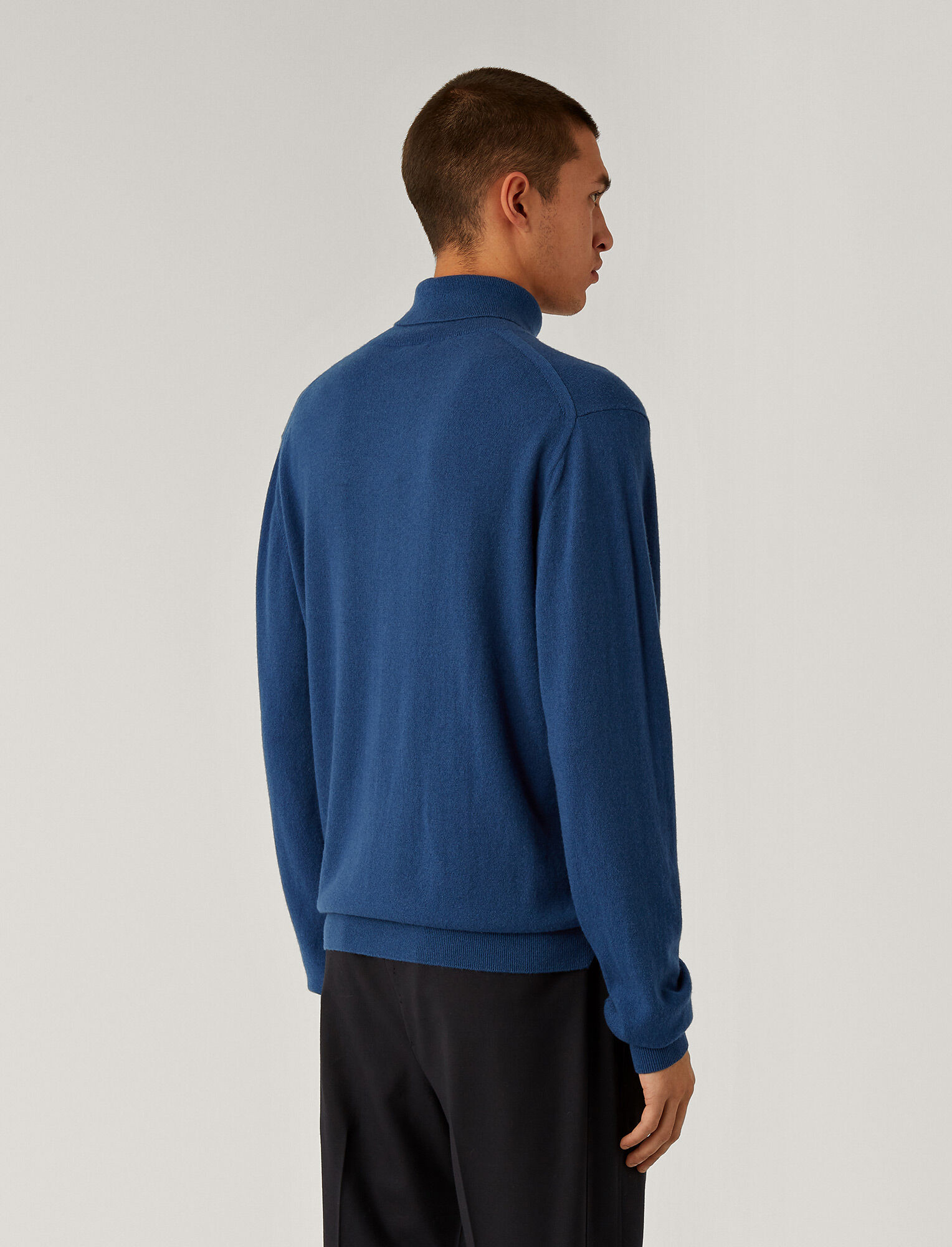 Joseph, Roll Neck Cashmere Knit, in Blue