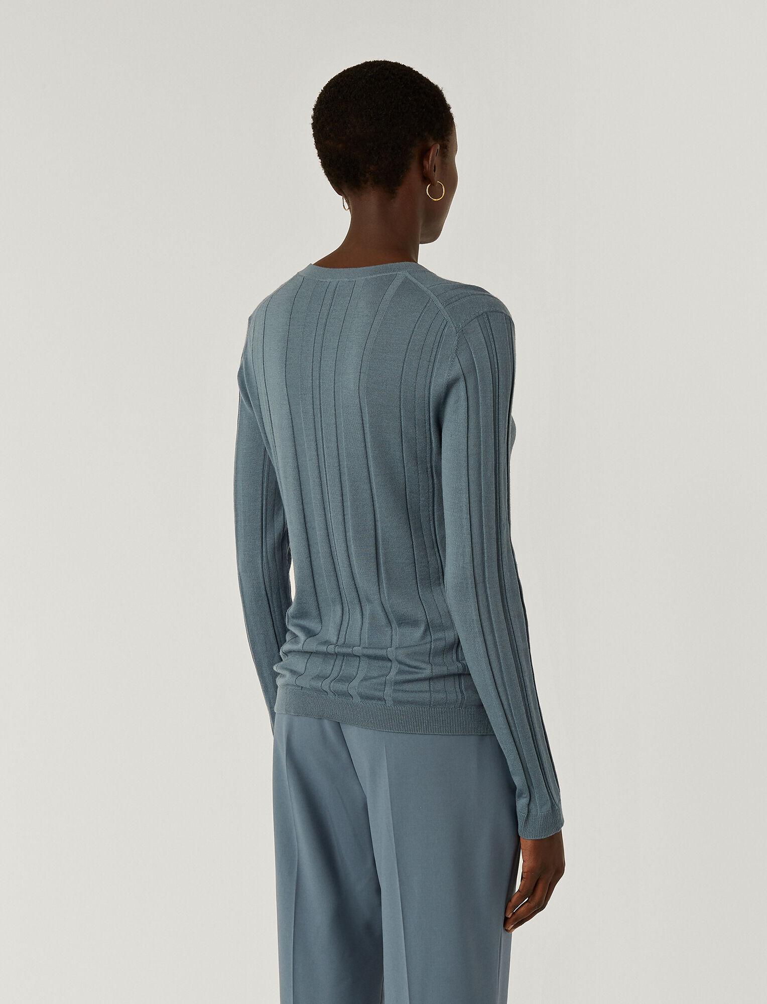 Joseph, Pull en laine mérinos fine à col en V, in BLUE STEEL