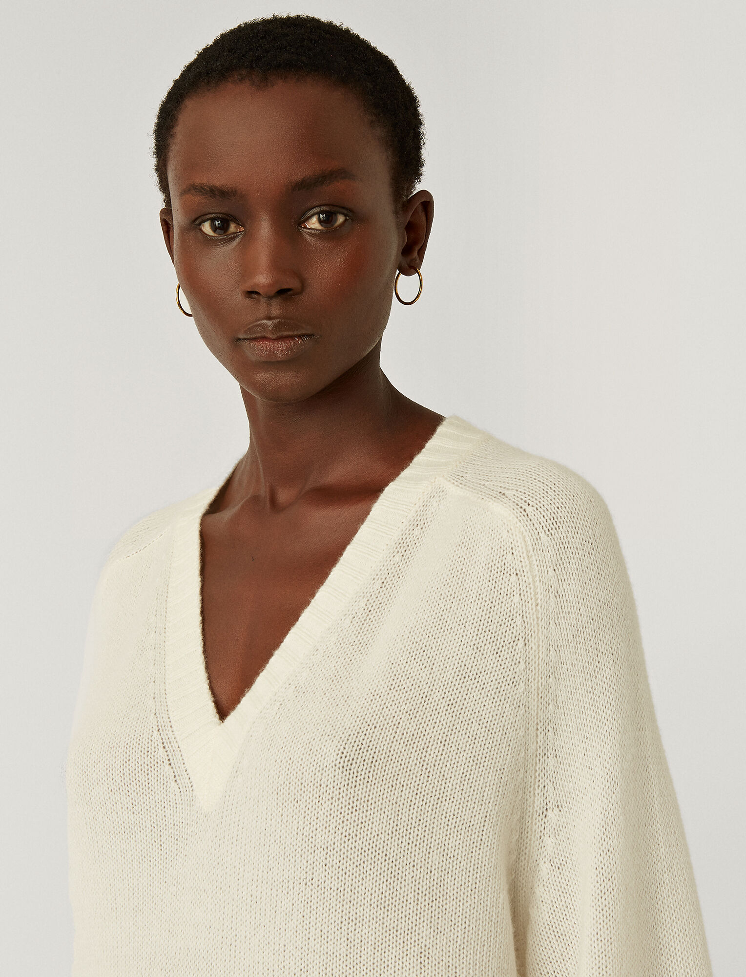 Joseph, Open Cashmere V-Neck Jumper, in IVORY
