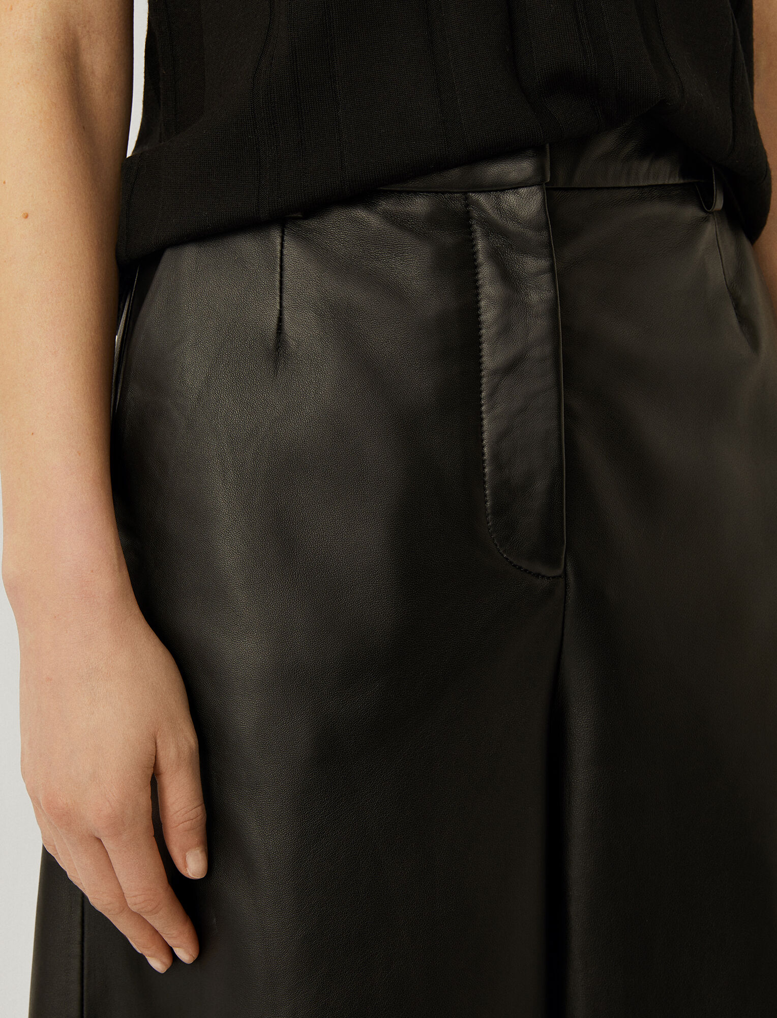Joseph, Nappa Leather Teresa Shorts, in BLACK