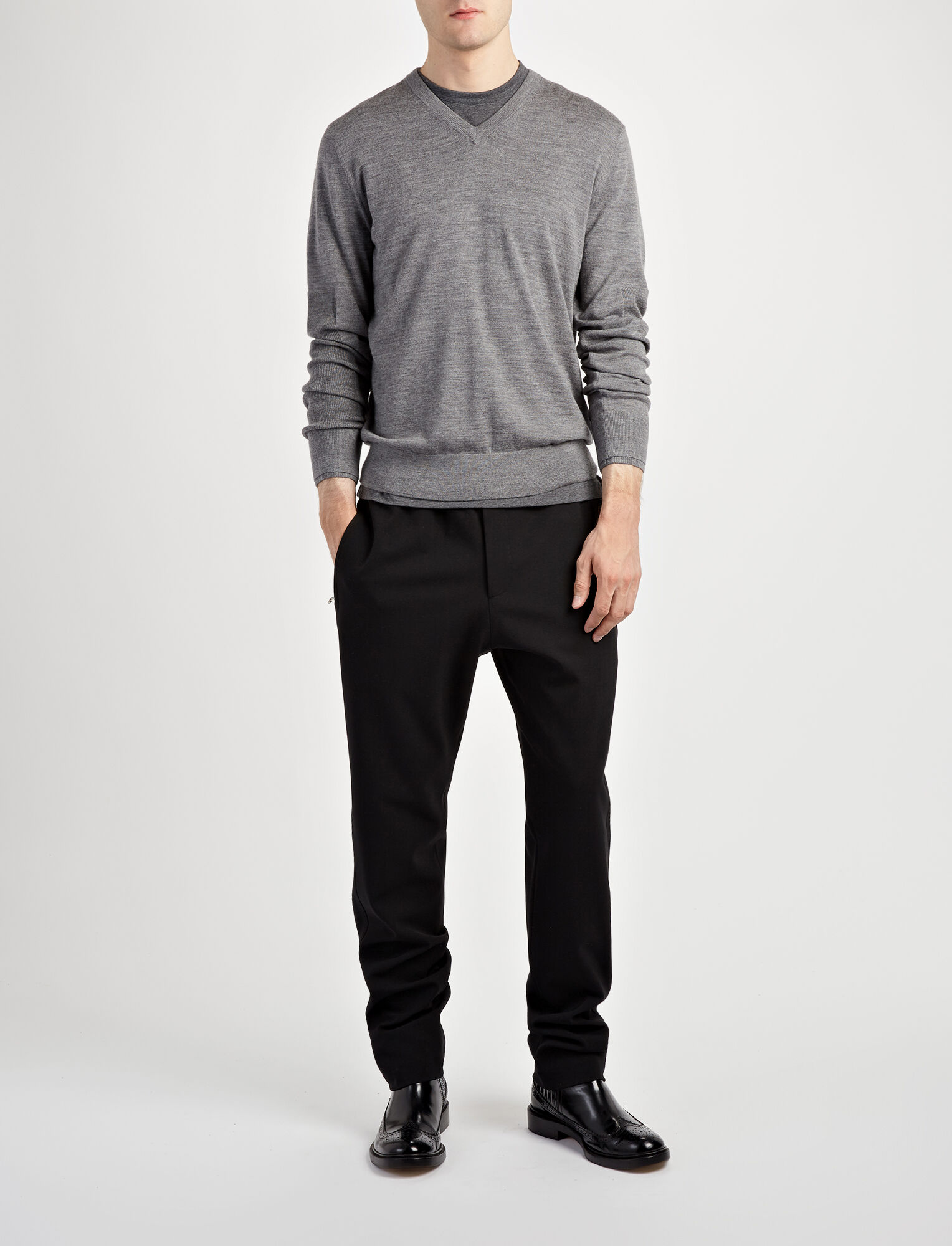Joseph, Merinos V Neck + Rib Patch Knit, in GRAPHITE