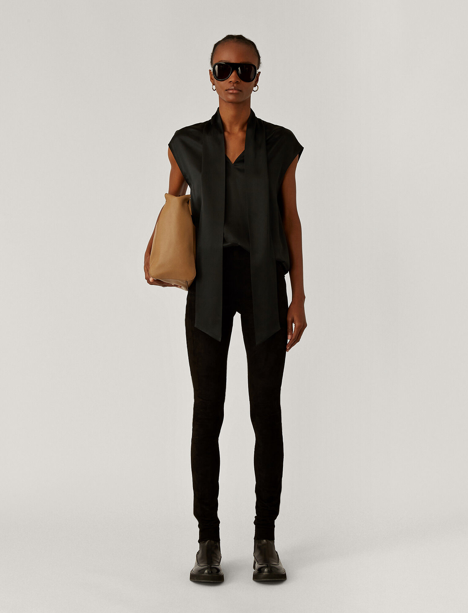Joseph, Suede Stretch Legging, in BLACK