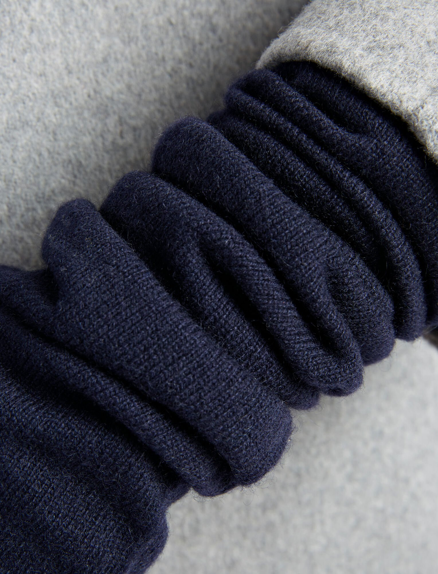 Joseph, Mongolian Cashmere Gloves, in NAVY