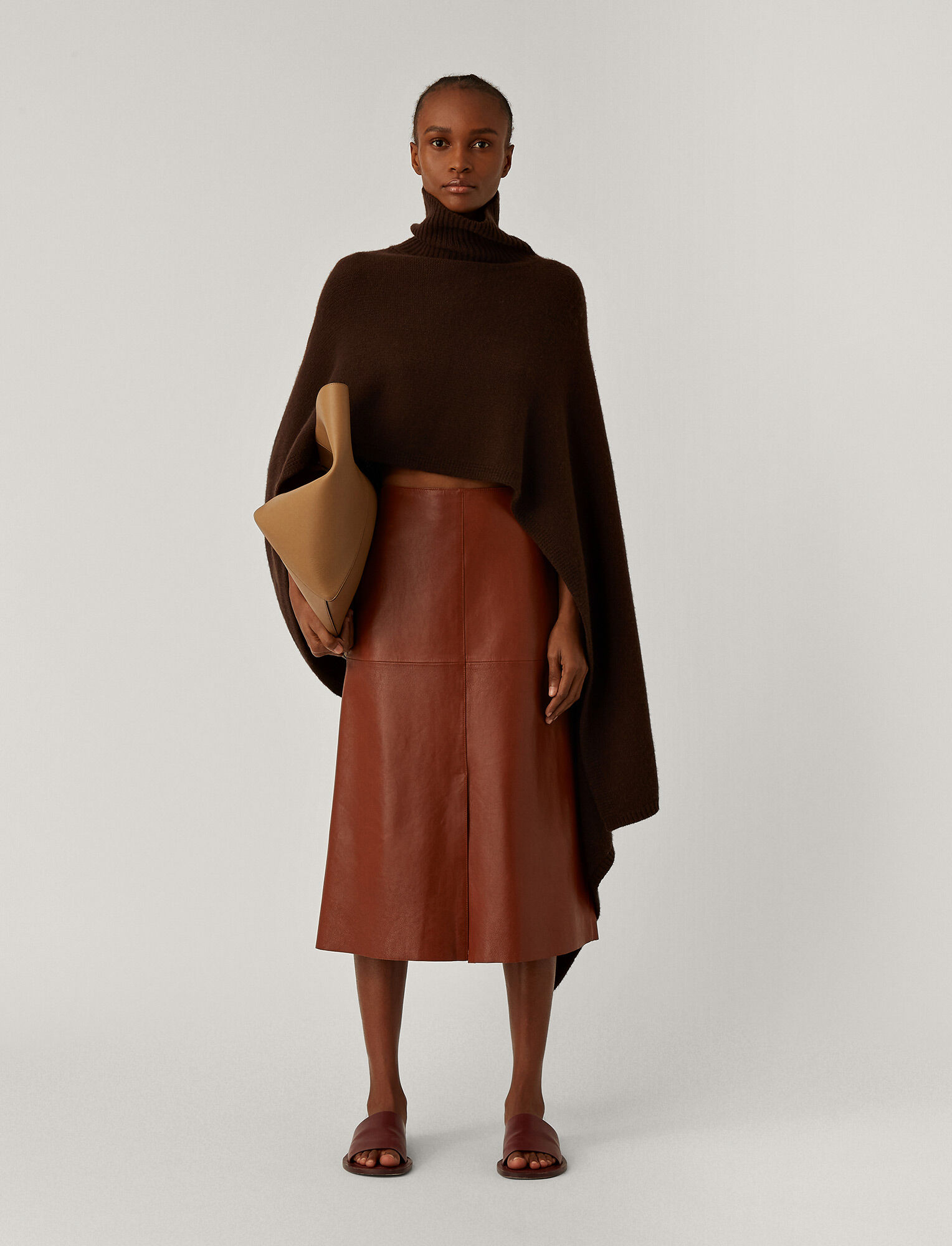 Joseph, Poncho Luxe Cashmere Knit, in Chocolate