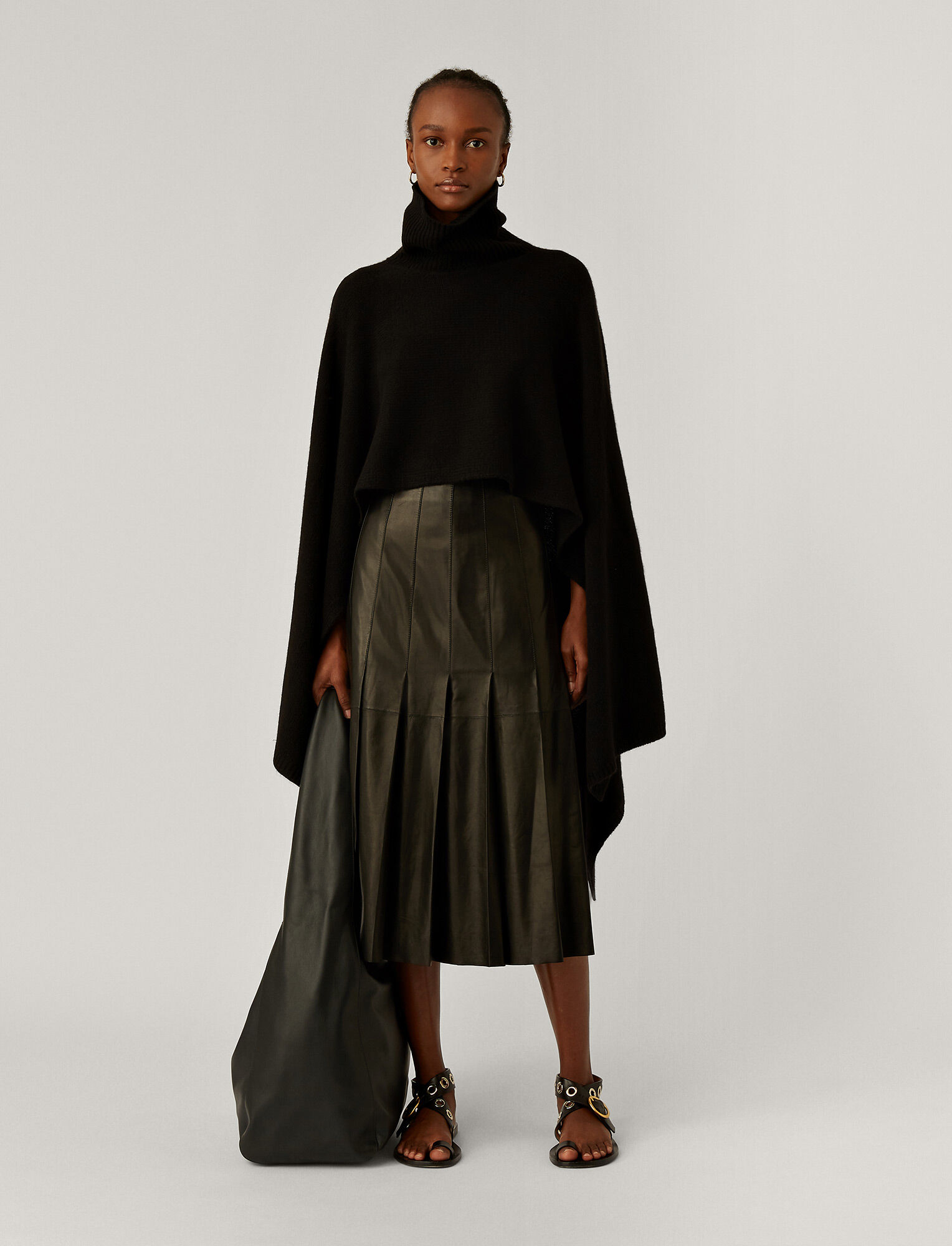 Joseph, Poncho Luxe Cashmere Knit, in Black