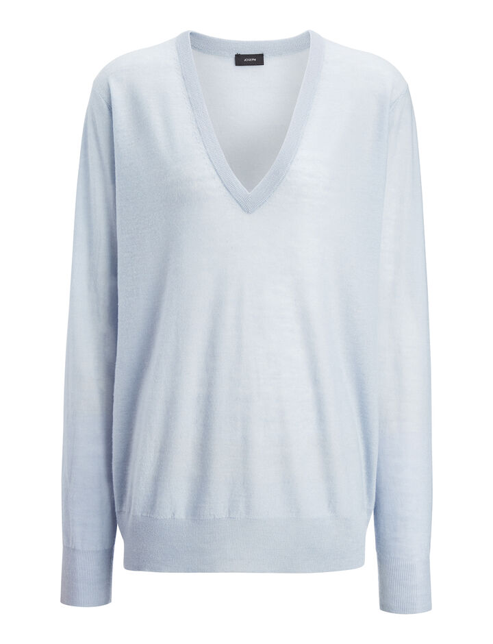 Joseph, Pull col en V en cashair, in POWDER BLUE