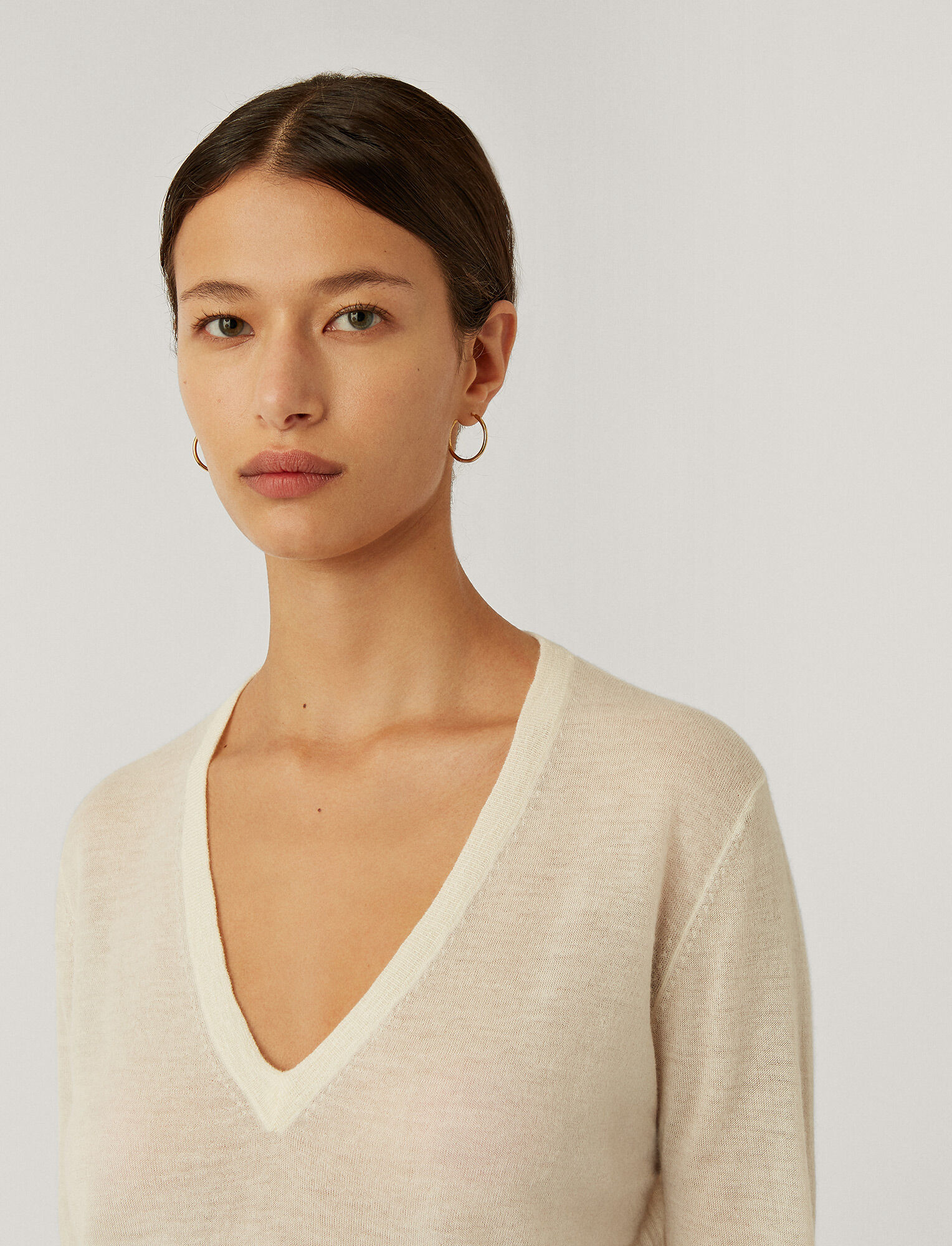 Joseph, Cashair V Neck Jumper, in IVORY
