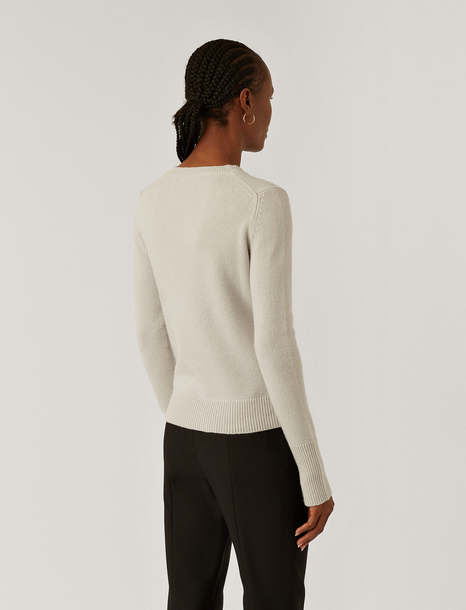 Joseph, Pure Cashmere Round Neck Jumper, in SILVER