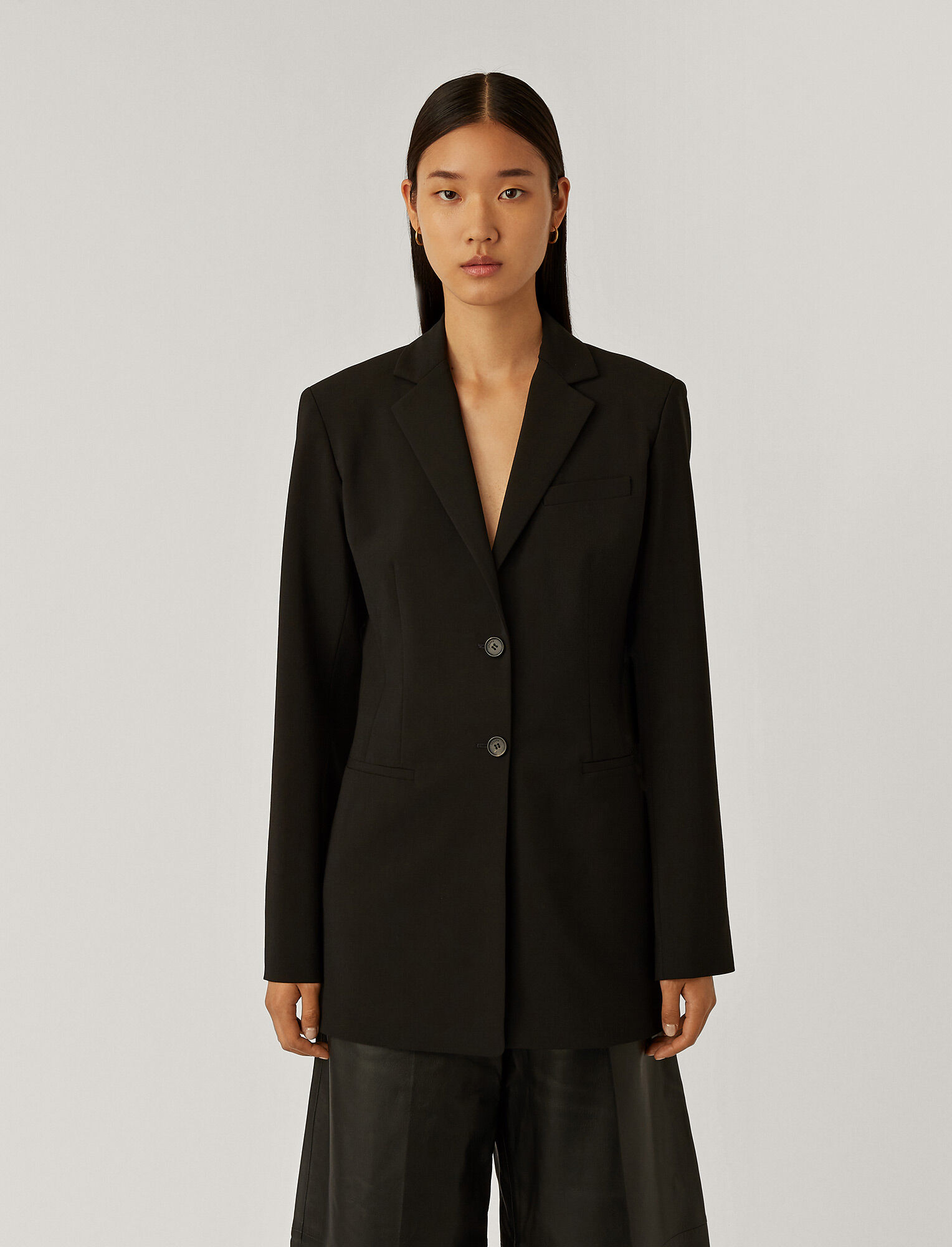 Joseph, Jani Light Wool Suiting Jacket, in Black