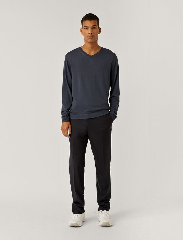 Joseph, Light Merinos V Neck Jumper, in BLUE STEEL