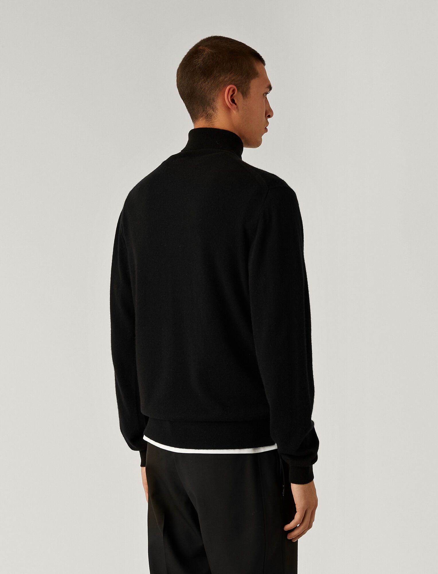 Joseph, Roll Neck Cashmere Knit, in Black