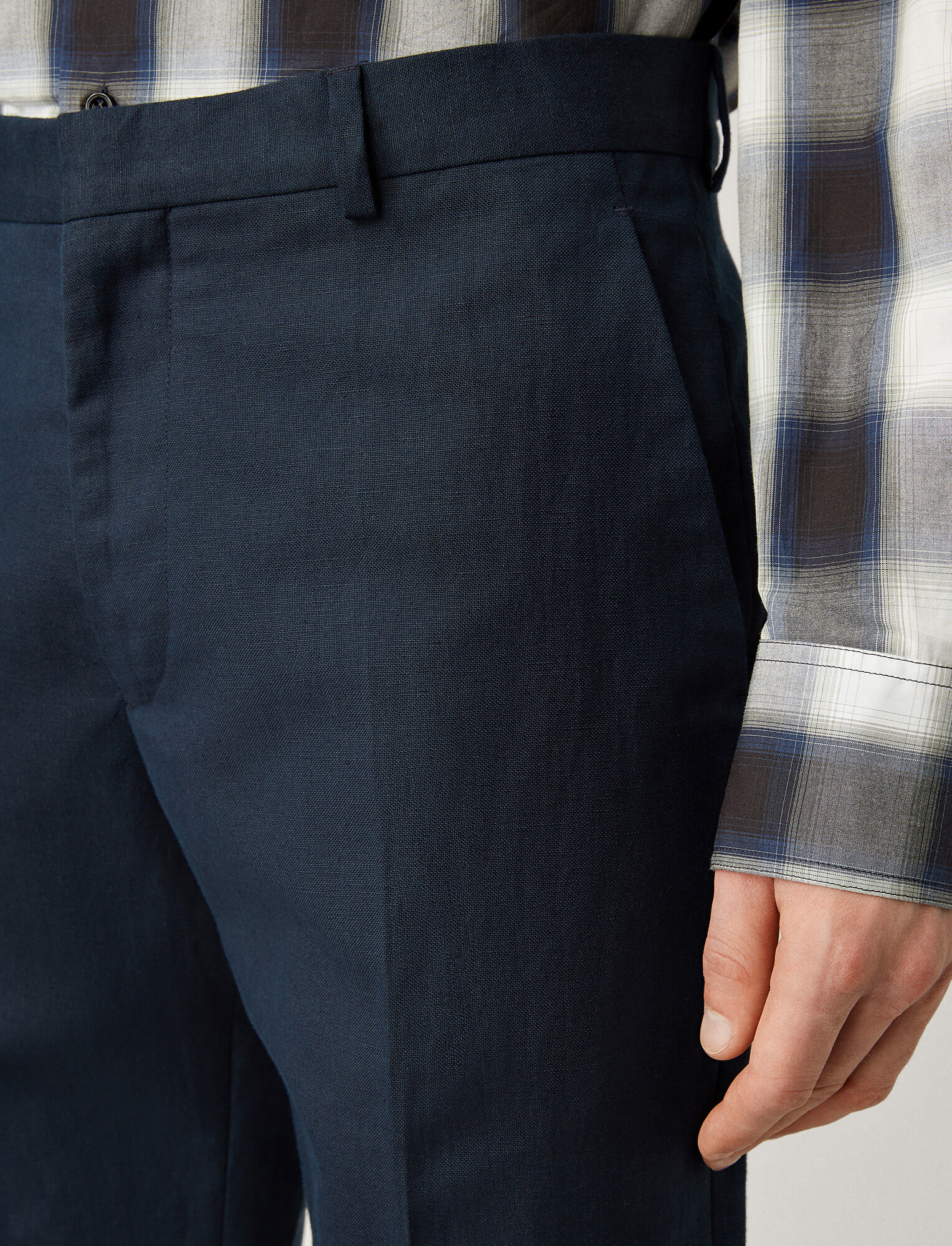 Joseph, Pantalon Jack en mélange de lin et coton, in NAVY