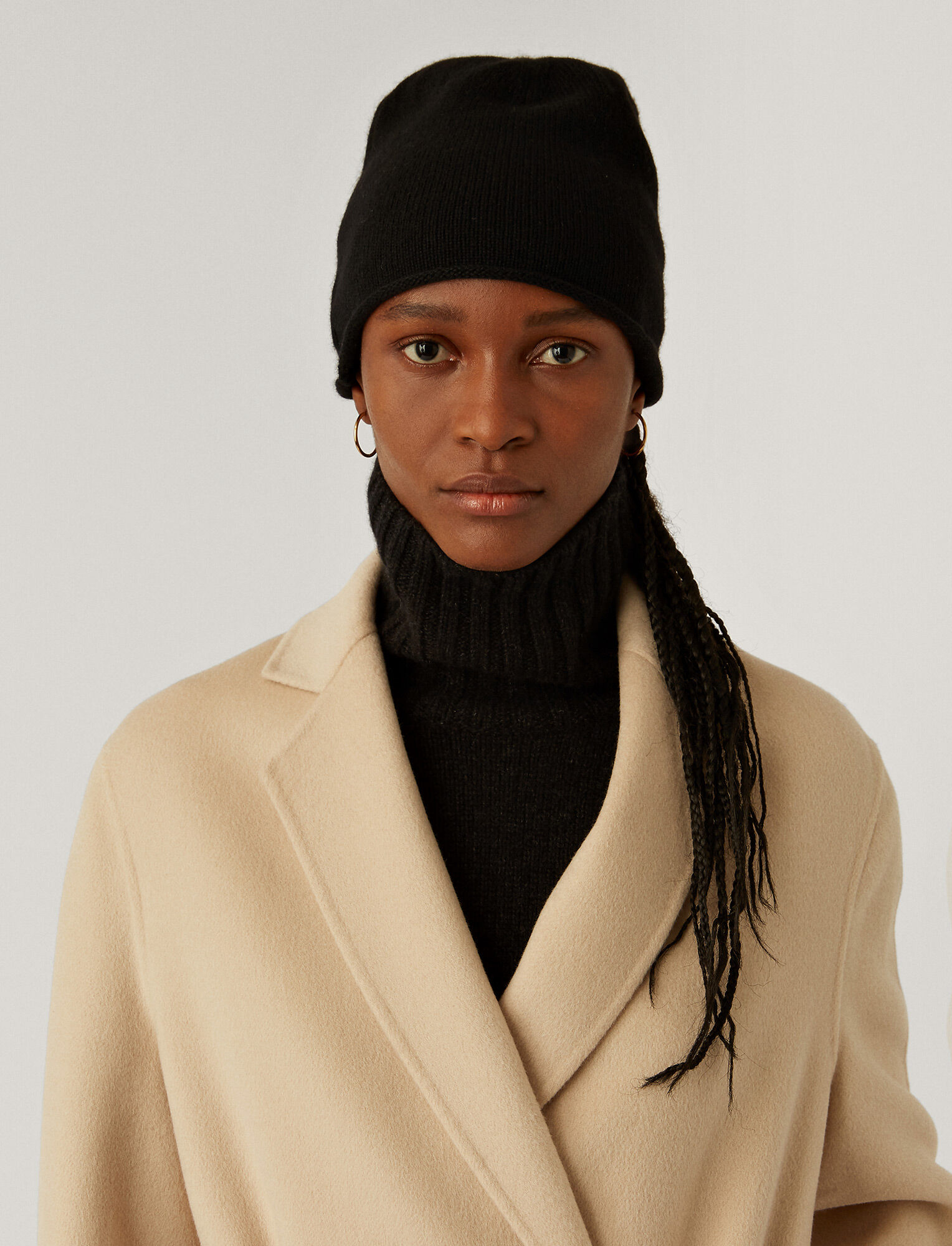 Joseph, Pure Cashmere Hat, in BLACK