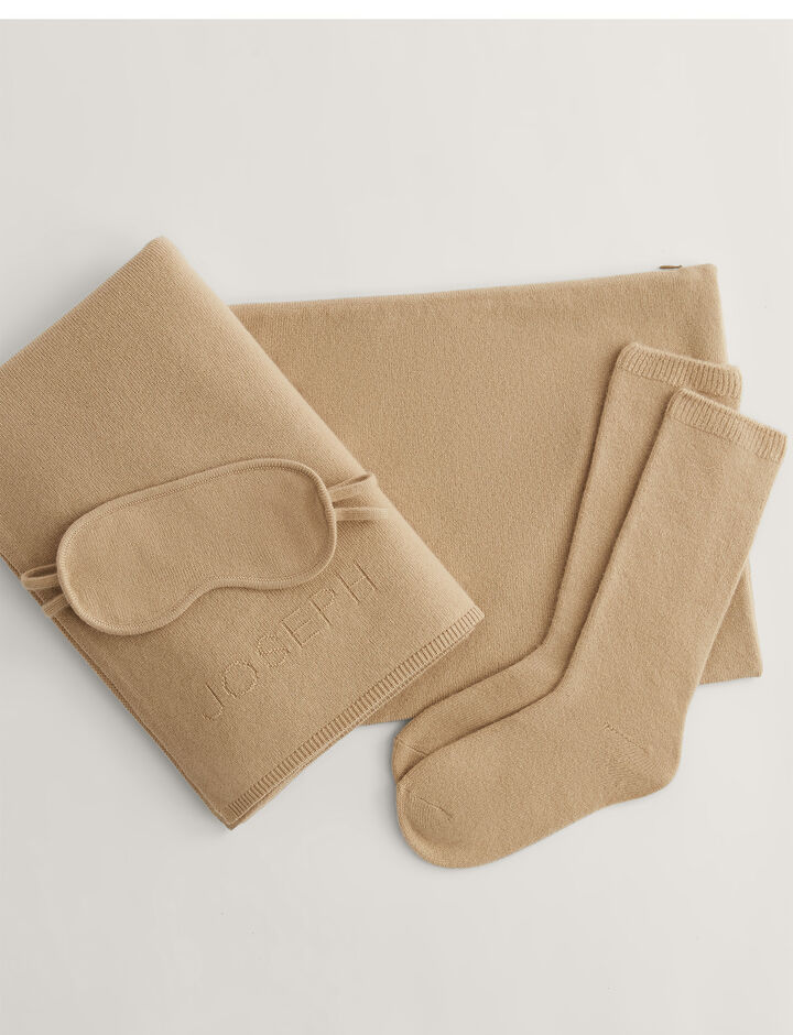 Joseph, Travel Pack-Pure Cashmere, in CHAMPAGNE