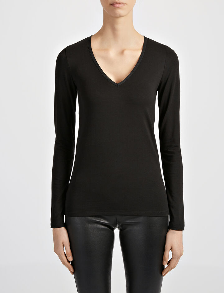 Joseph, Cotton Lyocell Stretch V Neck Top, in BLACK