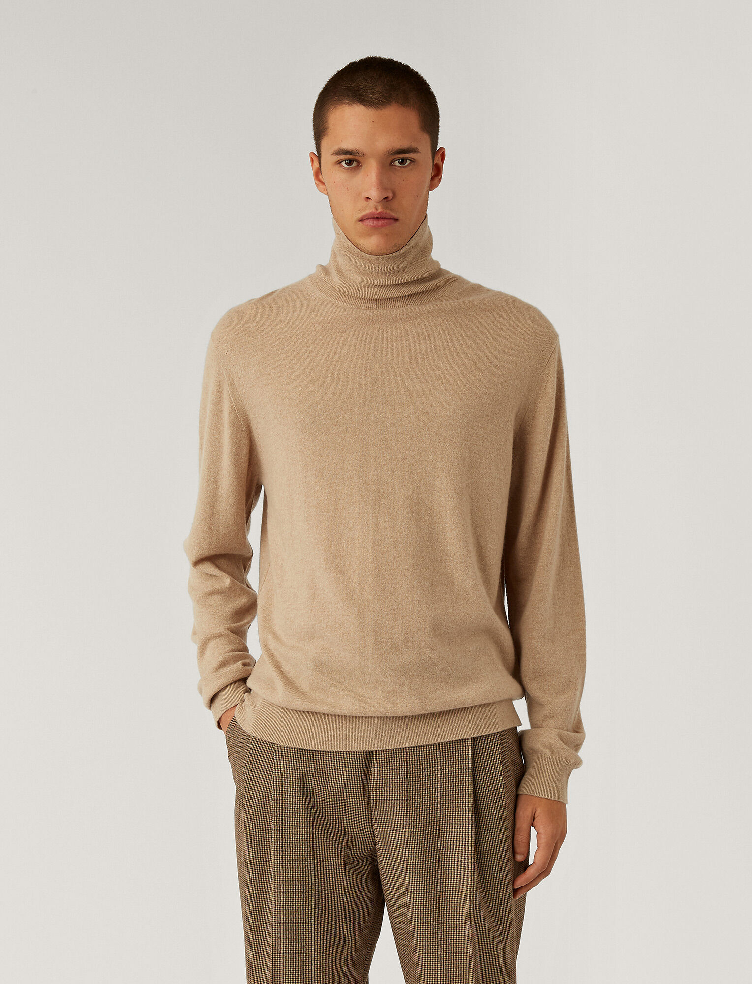 Joseph, Roll Neck Cashmere Knit, in Beige