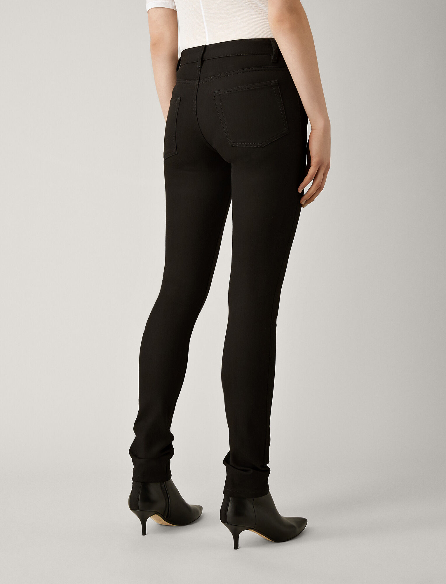 Joseph, Pantalon Cloud en gabardine stretch, in BLACK