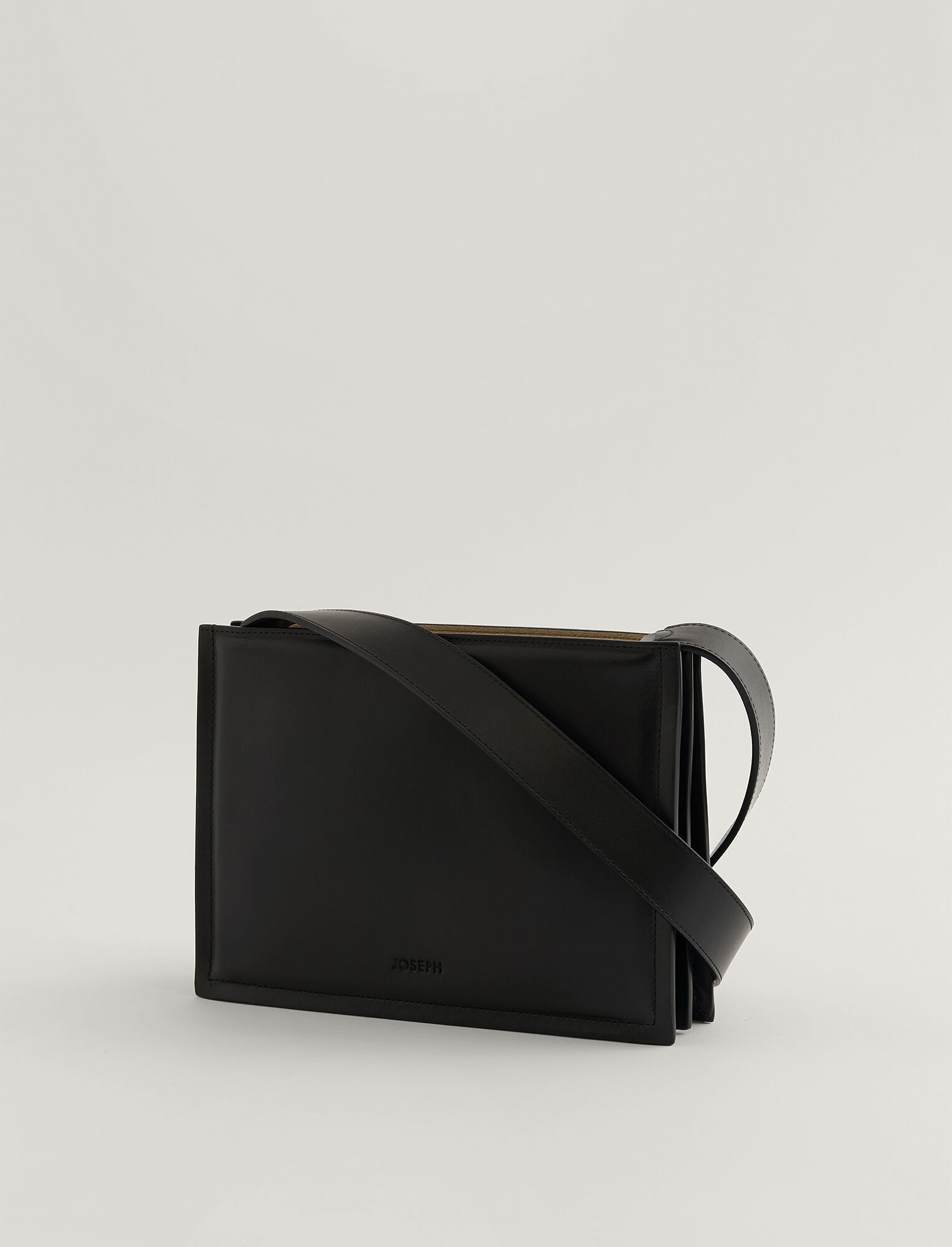 Joseph, Sac triple en cuir, in BLACK