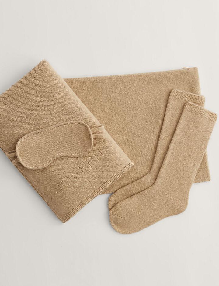 Joseph, Travel Pack-Pure Cashmere, in CHAMPAGNE