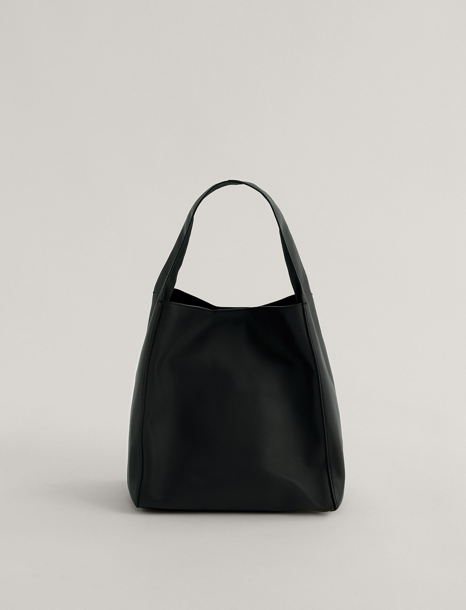 Joseph, Slouch S Bag, in Black