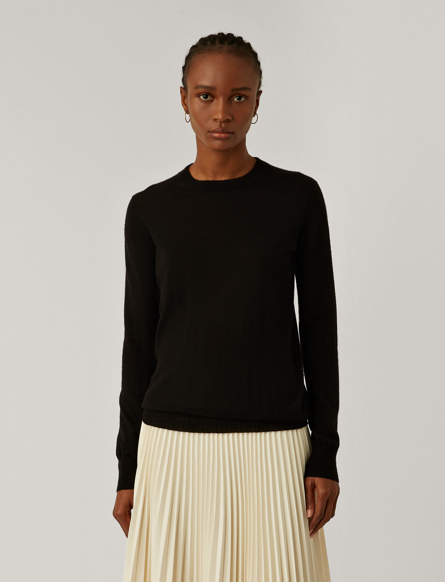 Joseph, Cashair Round Neck Jumper, in BLACK