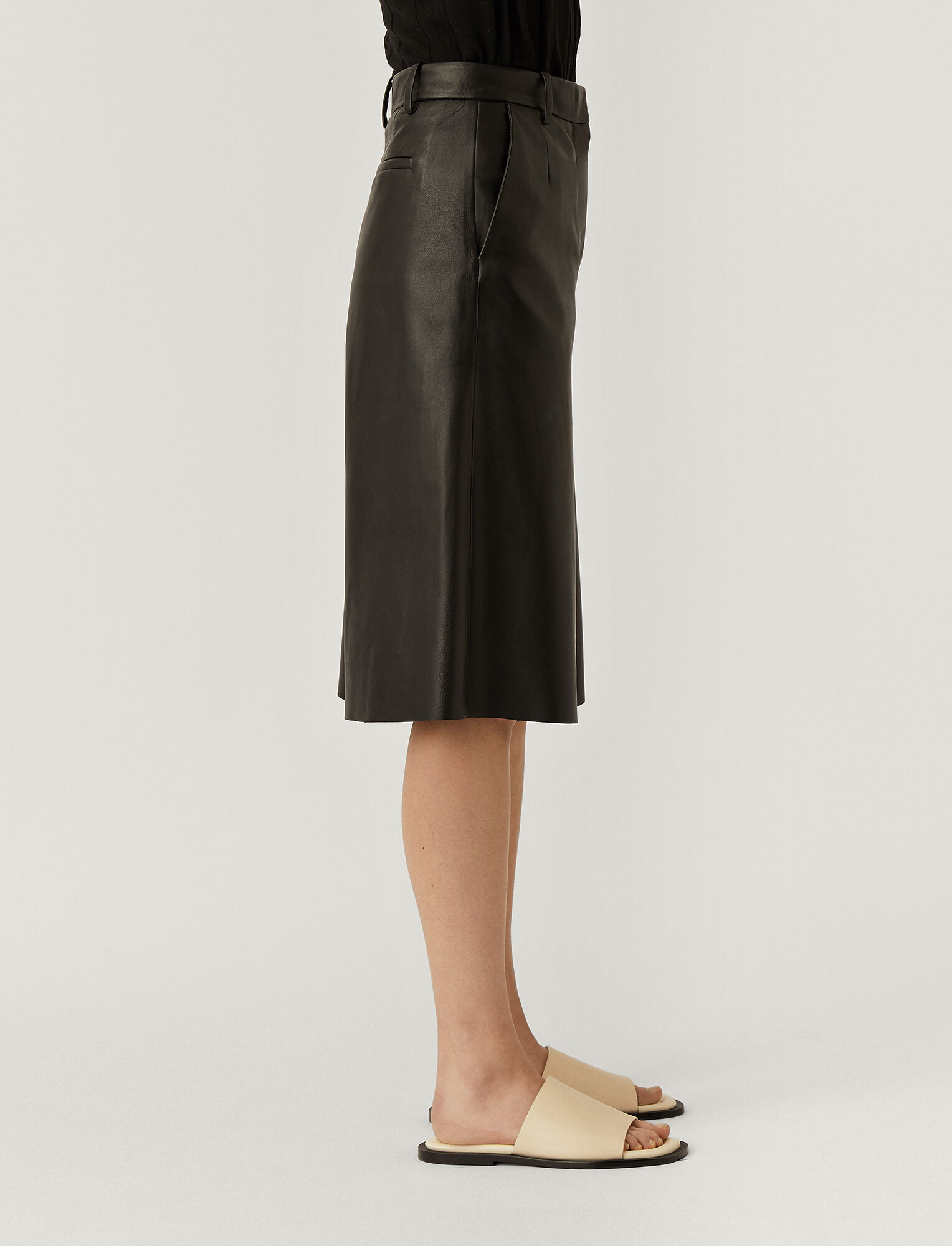 Joseph, Nappa Leather Teresa Shorts, in BLACK