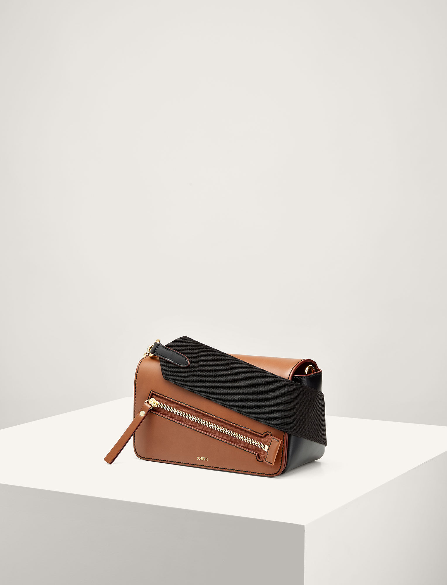 Joseph, Leather Warwick Bag, in SADDLE/BLACK