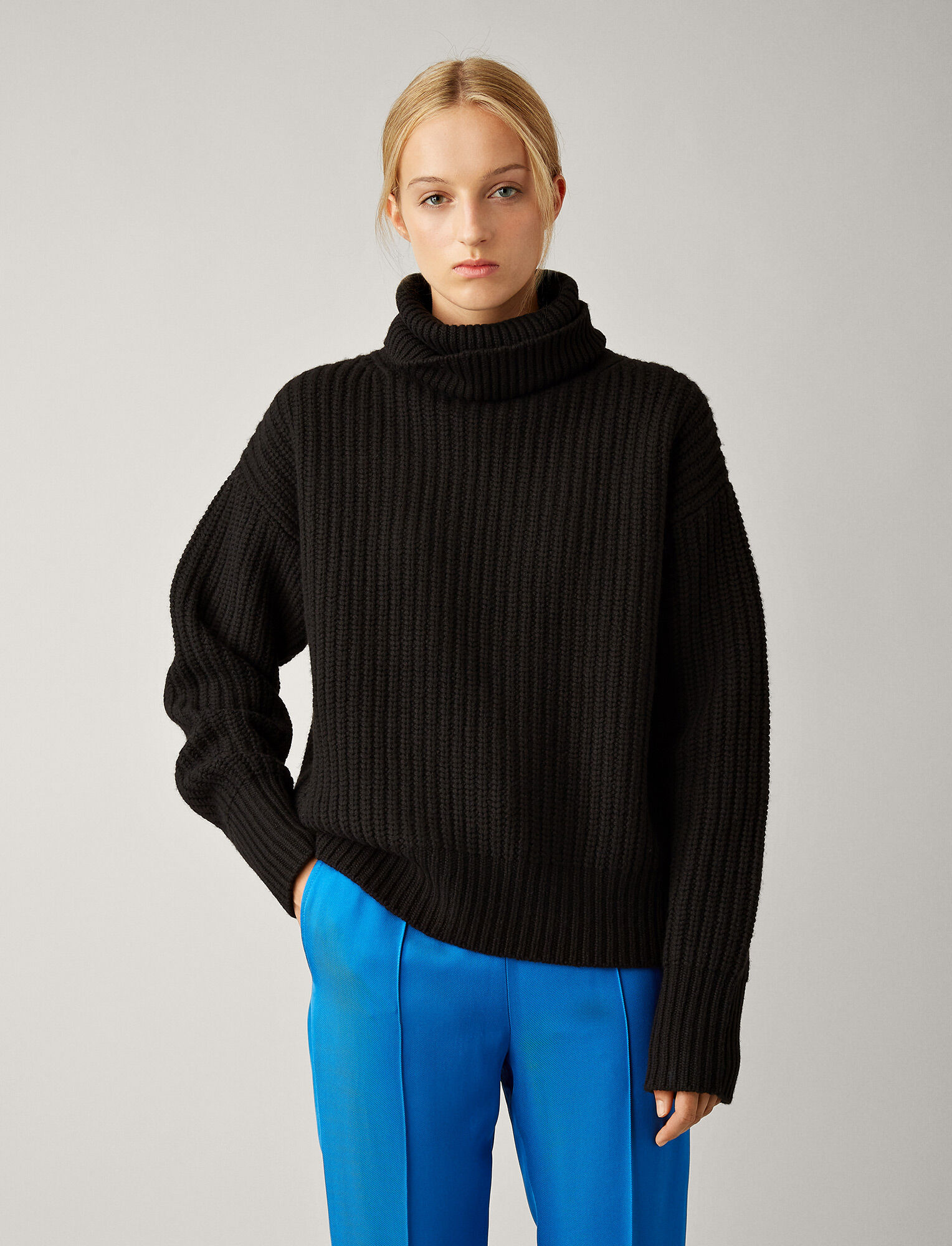 Joseph, Pearl Sweater Soft Wool Knit, in BLACK