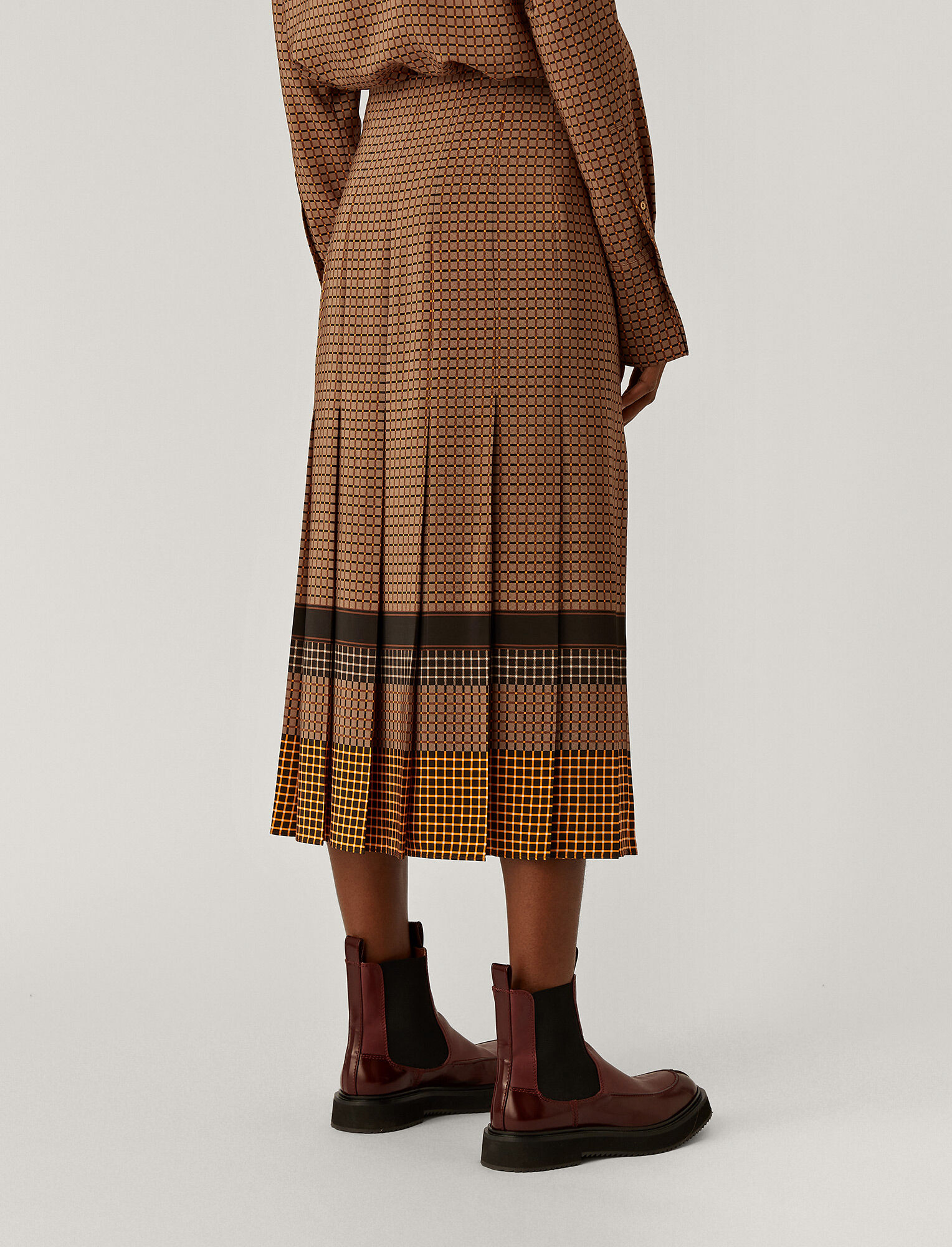 Joseph, Saria Silk Plaid Skirt, in Saddle/Black