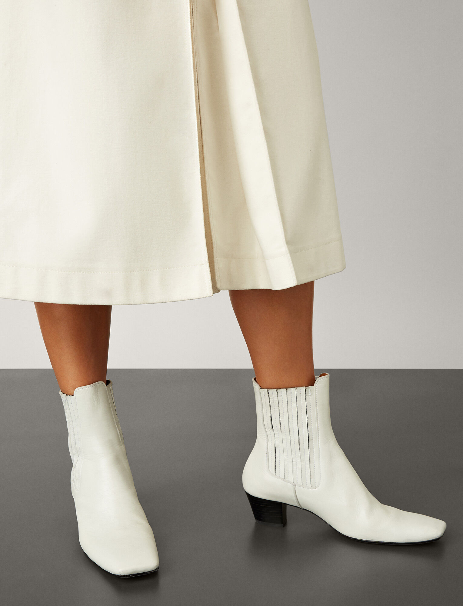 Joseph, Bottines Bettina en cuir, in WHITE