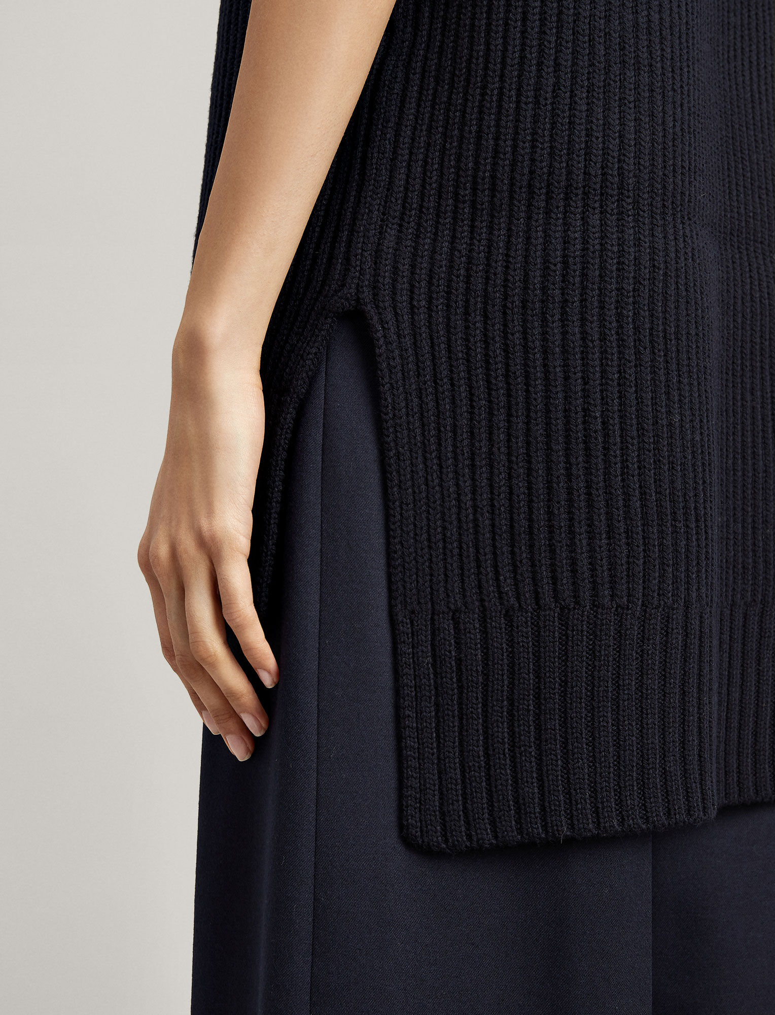 Joseph, Tricot à col montant, in NAVY