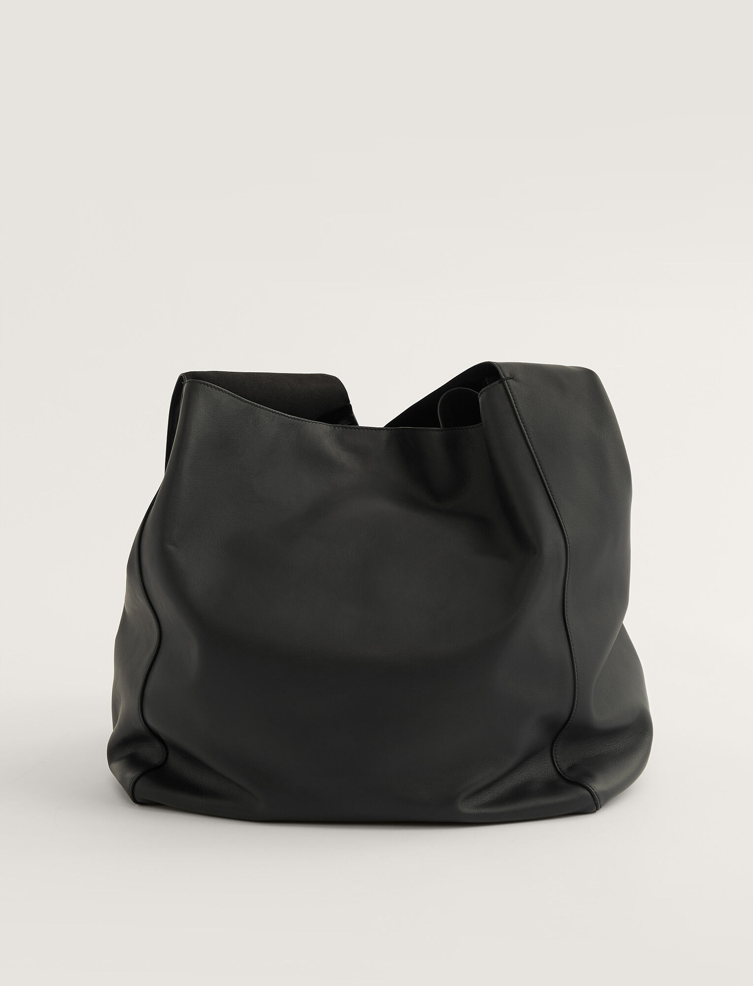 Joseph, Slouch XL Bag, in BLACK